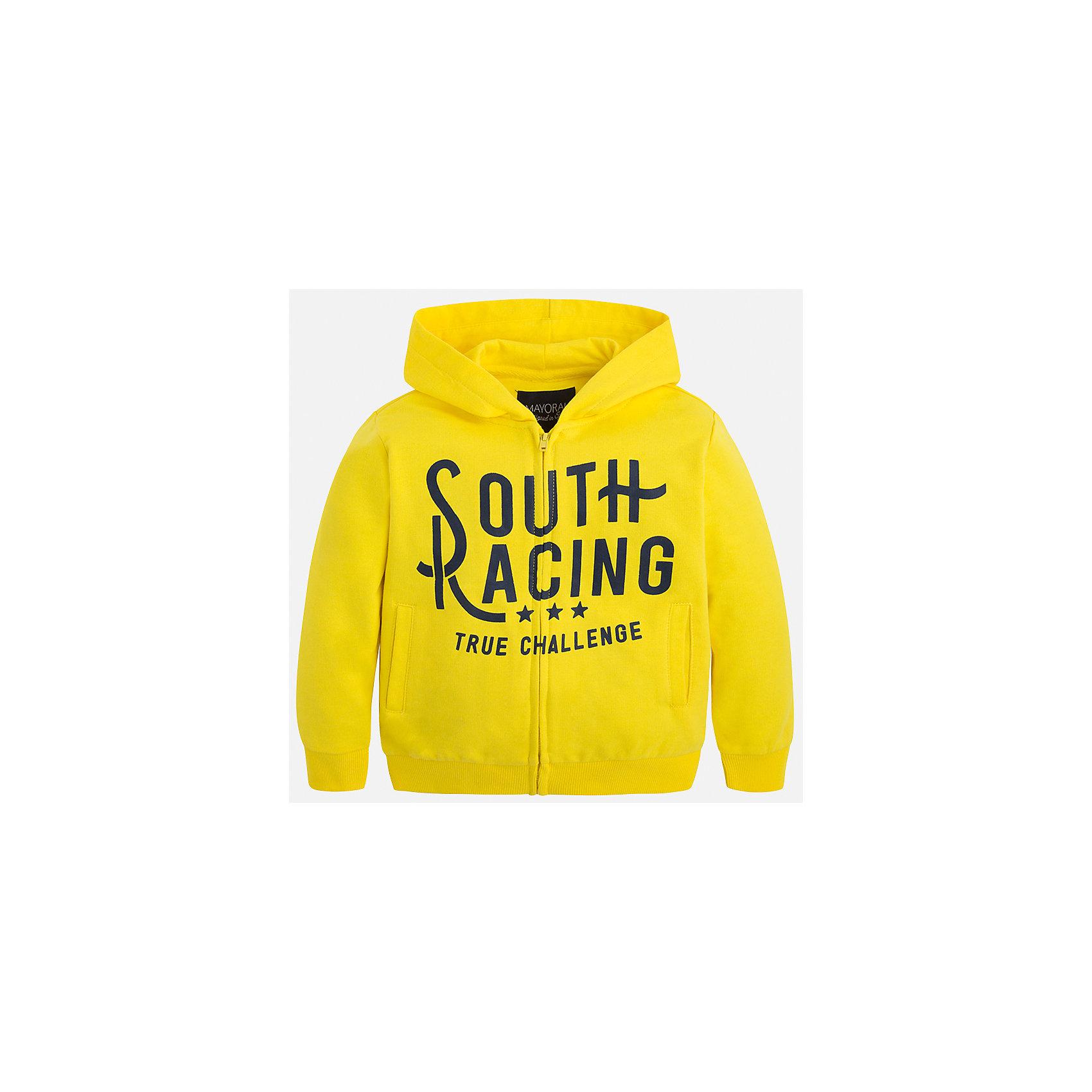 Толстовка для мальчика MayoralТолстовки<br>Характеристики товара:<br><br>• цвет: жёлтый<br>• состав: 60% хлопок, 40% полиэстер<br>• декорирована принтом<br>• манжеты<br>• молния<br>• капюшон<br>• страна бренда: Испания<br><br>Легкая куртка для мальчика поможет разнообразить гардероб ребенка и обеспечить тепло в прохладную погоду. Она отлично сочетается и с джинсами, и с брюками. Универсальный цвет позволяет подобрать к вещи низ различных расцветок. Интересная отделка модели делает её нарядной и оригинальной. В составе материала - натуральный хлопок, гипоаллергенный, приятный на ощупь, дышащий.<br><br>Одежда, обувь и аксессуары от испанского бренда Mayoral полюбились детям и взрослым по всему миру. Модели этой марки - стильные и удобные. Для их производства используются только безопасные, качественные материалы и фурнитура. Порадуйте ребенка модными и красивыми вещами от Mayoral! <br><br>Куртку для мальчика от испанского бренда Mayoral (Майорал) можно купить в нашем интернет-магазине.<br><br>Ширина мм: 356<br>Глубина мм: 10<br>Высота мм: 245<br>Вес г: 519<br>Цвет: желтый<br>Возраст от месяцев: 48<br>Возраст до месяцев: 60<br>Пол: Мужской<br>Возраст: Детский<br>Размер: 110,92,98,104,122,134,128,116<br>SKU: 5280621