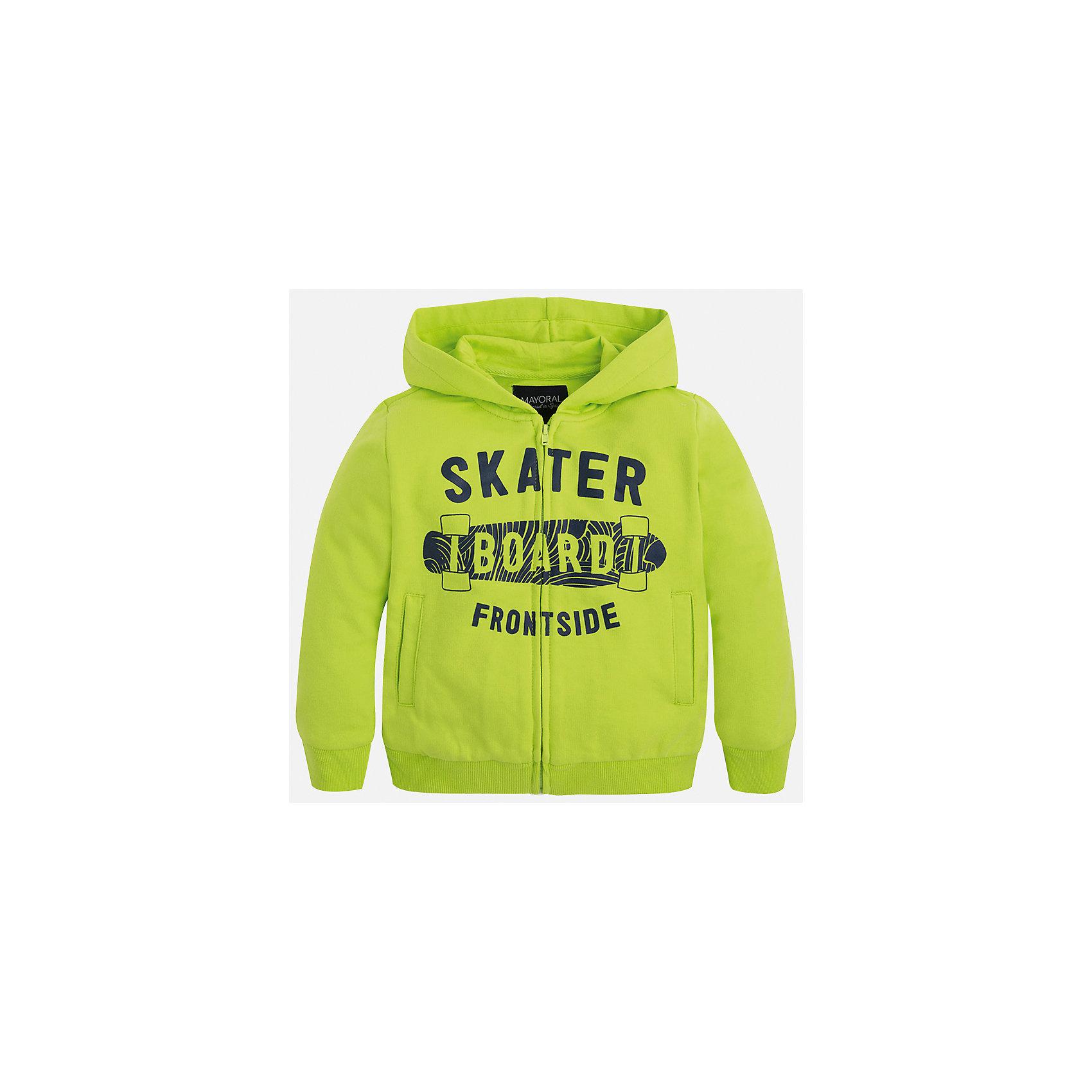 Куртка для мальчика MayoralХарактеристики товара:<br><br>• цвет: зеленый<br>• состав: 60% хлопок, 40% полиэстер<br>• декорирована принтом<br>• манжеты<br>• молния<br>• капюшон<br>• страна бренда: Испания<br><br>Легкая толстовка для мальчика поможет разнообразить гардероб ребенка и обеспечить тепло в прохладную погоду. Она отлично сочетается и с джинсами, и с брюками. Универсальный цвет позволяет подобрать к вещи низ различных расцветок. Интересная отделка модели делает её нарядной и оригинальной. В составе материала - натуральный хлопок, гипоаллергенный, приятный на ощупь, дышащий.<br><br>Одежда, обувь и аксессуары от испанского бренда Mayoral полюбились детям и взрослым по всему миру. Модели этой марки - стильные и удобные. Для их производства используются только безопасные, качественные материалы и фурнитура. Порадуйте ребенка модными и красивыми вещами от Mayoral! <br><br>Толстовку для мальчика от испанского бренда Mayoral (Майорал) можно купить в нашем интернет-магазине.<br><br>Ширина мм: 356<br>Глубина мм: 10<br>Высота мм: 245<br>Вес г: 519<br>Цвет: зеленый<br>Возраст от месяцев: 24<br>Возраст до месяцев: 36<br>Пол: Мужской<br>Возраст: Детский<br>Размер: 98,92,116,122,134,128,110,104<br>SKU: 5280630