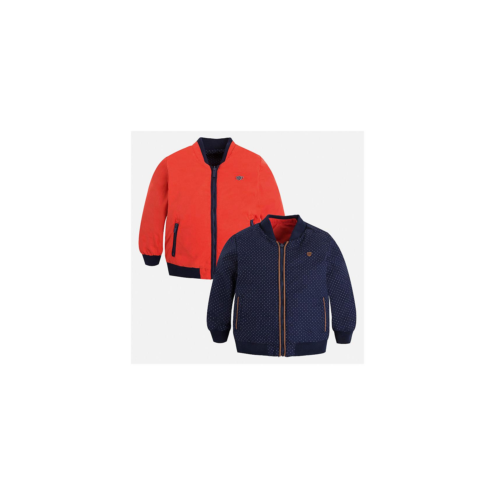 Ветровка двухсторонняя для мальчика MayoralВерхняя одежда<br>Характеристики товара:<br><br>• цвет: синий/красный<br>• состав: 100% полиэстер, подкладка - 100% хлопок<br>• температурный режим: от +10° С<br>• двусторонняя<br>• карманы<br>• молния<br>• манжеты<br>• страна бренда: Испания<br><br>Легкая куртка для мальчика поможет разнообразить гардероб ребенка и обеспечить тепло в прохладную погоду. Эта ветровка - два в одном: стоит её вывернуть - и появляется еще одна курточка другой расцветки. Интересная отделка модели делает её нарядной и оригинальной. <br><br>Ветровку для мальчика от испанского бренда Mayoral (Майорал) можно купить в нашем интернет-магазине.<br><br>Ширина мм: 356<br>Глубина мм: 10<br>Высота мм: 245<br>Вес г: 519<br>Цвет: красный<br>Возраст от месяцев: 18<br>Возраст до месяцев: 24<br>Пол: Мужской<br>Возраст: Детский<br>Размер: 92,128,122,116,110,104,98,134<br>SKU: 5280684