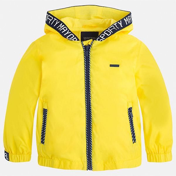 Ветровка для мальчика MayoralВерхняя одежда<br>Характеристики товара:<br><br>• цвет: желтый<br>• состав: 100% полиэстер, подкладка - 100% хлопок<br>• температурный режим: от +20° до +10°С<br>• рукава длинные <br>• карманы<br>• молния <br>• капюшон<br>• страна бренда: Испания<br><br>Теплая одежда может быть очень стильной! Удобная и красивая ветровка для мальчика поможет разнообразить гардероб ребенка и обеспечить комфорт. Она отлично сочетается и с джинсами, и с брюками. Универсальный цвет позволяет подобрать к вещи низ различных расцветок. Интересная отделка модели делает её нарядной и оригинальной. В составе материала - натуральный хлопок, гипоаллергенный, приятный на ощупь, дышащий.<br><br>Одежда, обувь и аксессуары от испанского бренда Mayoral полюбились детям и взрослым по всему миру. Модели этой марки - стильные и удобные. Для их производства используются только безопасные, качественные материалы и фурнитура. Порадуйте ребенка модными и красивыми вещами от Mayoral! <br><br>Ветровку для мальчика от испанского бренда Mayoral (Майорал) можно купить в нашем интернет-магазине.<br><br>Ширина мм: 356<br>Глубина мм: 10<br>Высота мм: 245<br>Вес г: 519<br>Цвет: желтый<br>Возраст от месяцев: 24<br>Возраст до месяцев: 36<br>Пол: Мужской<br>Возраст: Детский<br>Размер: 110,98,92,104,128,116,122,134<br>SKU: 5280747