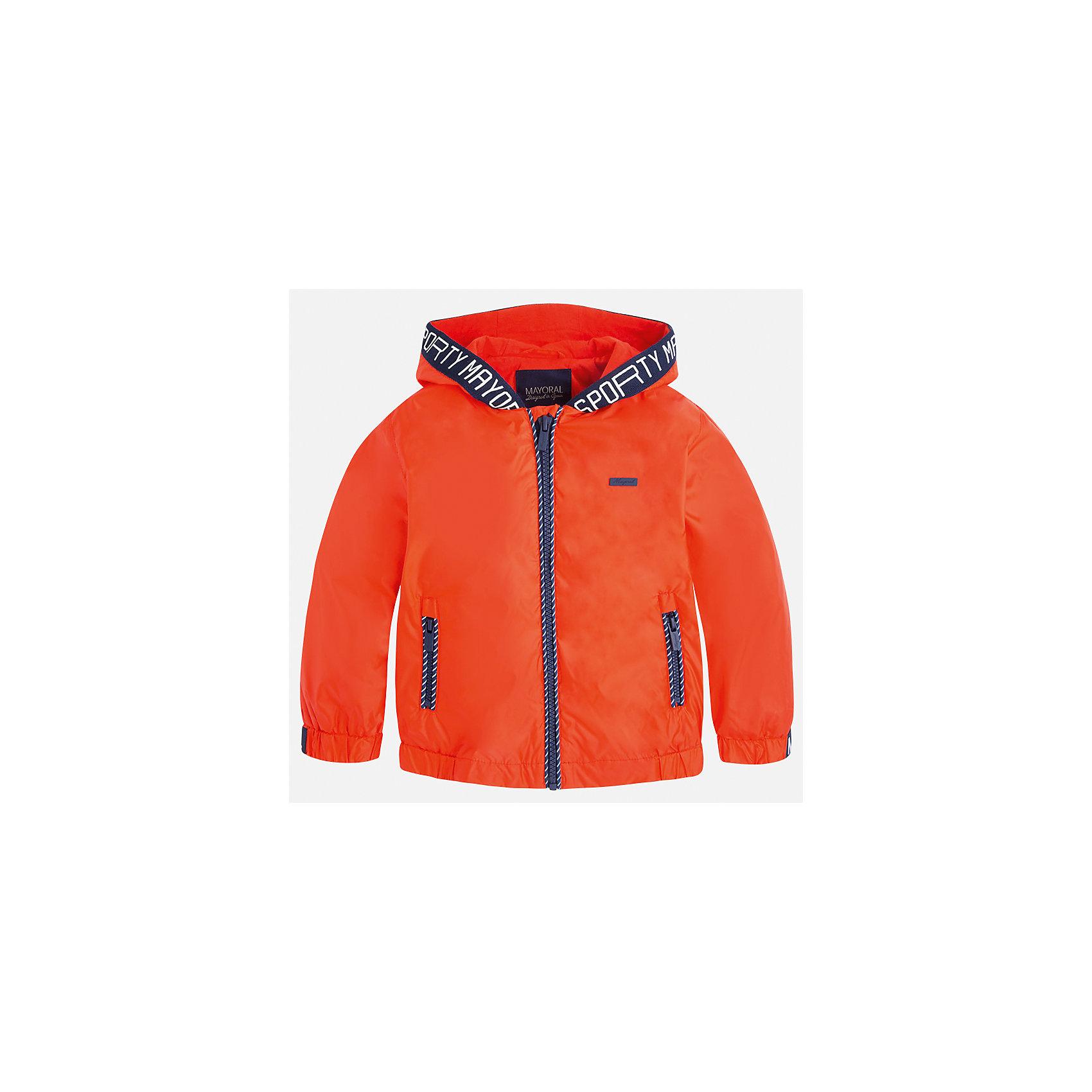 Ветровка для мальчика MayoralХарактеристики товара:<br><br>• цвет: красный<br>• состав: 100% полиэстер, подкладка - 100% хлопок<br>• температурный режим: от +20° до +10°С<br>• рукава длинные <br>• карманы<br>• молния <br>• капюшон<br>• страна бренда: Испания<br><br>Теплая одежда может быть очень стильной! Удобная и красивая ветровка для мальчика поможет разнообразить гардероб ребенка и обеспечить комфорт. Она отлично сочетается и с джинсами, и с брюками. Универсальный цвет позволяет подобрать к вещи низ различных расцветок. Интересная отделка модели делает её нарядной и оригинальной. В составе материала - натуральный хлопок, гипоаллергенный, приятный на ощупь, дышащий.<br><br>Одежда, обувь и аксессуары от испанского бренда Mayoral полюбились детям и взрослым по всему миру. Модели этой марки - стильные и удобные. Для их производства используются только безопасные, качественные материалы и фурнитура. Порадуйте ребенка модными и красивыми вещами от Mayoral! <br><br>Ветровку для мальчика от испанского бренда Mayoral (Майорал) можно купить в нашем интернет-магазине.<br><br>Ширина мм: 356<br>Глубина мм: 10<br>Высота мм: 245<br>Вес г: 519<br>Цвет: красный<br>Возраст от месяцев: 18<br>Возраст до месяцев: 24<br>Пол: Мужской<br>Возраст: Детский<br>Размер: 92,134,122,128,116,110,104,98<br>SKU: 5280756