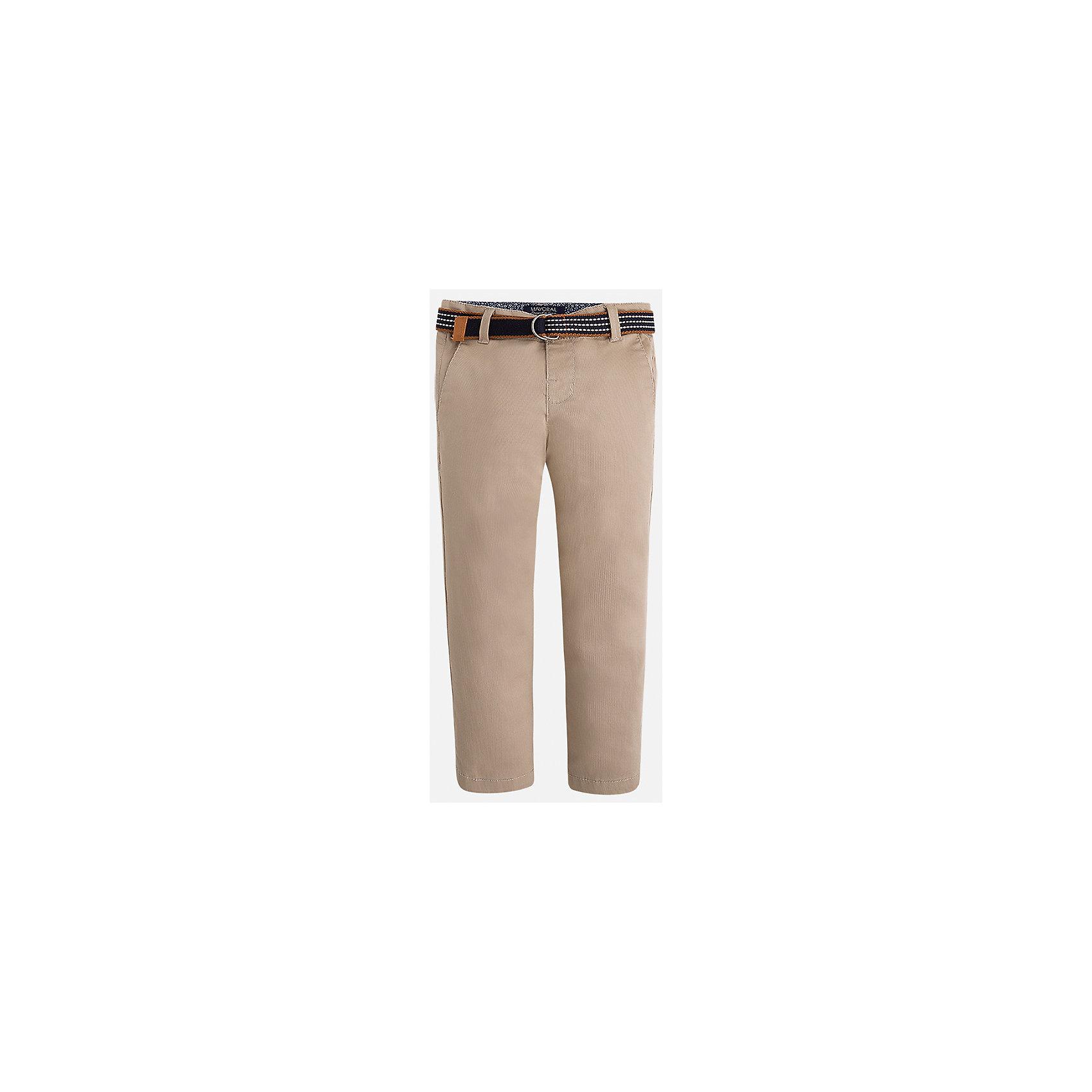 Брюки для мальчика MayoralБрюки<br>Характеристики товара:<br><br>• цвет: бежевый<br>• состав: 98% хлопок, 2% эластан<br>• контрастная подкладка<br>• шлевки<br>• карманы<br>• пояс с регулировкой объема<br>• классический силуэт<br>• страна бренда: Испания<br><br>Модные брюки для мальчика смогут стать базовой вещью в гардеробе ребенка. Они отлично сочетаются с майками, футболками, рубашками и т.д.  В составе материала - натуральный хлопок, гипоаллергенный, приятный на ощупь, дышащий.<br><br>Брюки для мальчика от испанского бренда Mayoral (Майорал) можно купить в нашем интернет-магазине.<br><br>Ширина мм: 215<br>Глубина мм: 88<br>Высота мм: 191<br>Вес г: 336<br>Цвет: бежевый<br>Возраст от месяцев: 72<br>Возраст до месяцев: 84<br>Пол: Мужской<br>Возраст: Детский<br>Размер: 122,116,110,104,98,92,134,128<br>SKU: 5280783