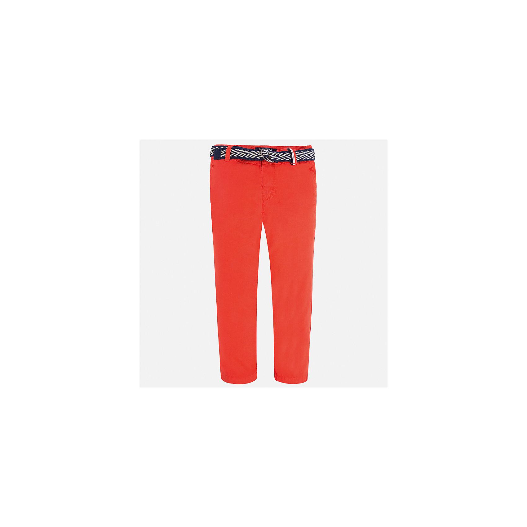 Брюки для мальчика MayoralБрюки<br>Характеристики товара:<br><br>• цвет: красный<br>• состав: 100% хлопок<br>• пуговицы на карманах <br>• шлевки<br>• карманы<br>• пояс с регулировкой объема<br>• классический силуэт<br>• страна бренда: Испания<br><br>Модные брюки для мальчика смогут стать базовой вещью в гардеробе ребенка. Они отлично сочетаются с майками, футболками, рубашками и т.д. Универсальный крой и цвет позволяет подобрать к вещи верх разных расцветок. Практичное и стильное изделие! В составе материала - только натуральный хлопок, гипоаллергенный, приятный на ощупь, дышащий.<br><br>Одежда, обувь и аксессуары от испанского бренда Mayoral полюбились детям и взрослым по всему миру. Модели этой марки - стильные и удобные. Для их производства используются только безопасные, качественные материалы и фурнитура. Порадуйте ребенка модными и красивыми вещами от Mayoral! <br><br>Брюки для мальчика от испанского бренда Mayoral (Майорал) можно купить в нашем интернет-магазине.<br><br>Ширина мм: 215<br>Глубина мм: 88<br>Высота мм: 191<br>Вес г: 336<br>Цвет: красный<br>Возраст от месяцев: 36<br>Возраст до месяцев: 48<br>Пол: Мужской<br>Возраст: Детский<br>Размер: 104,98,92,128,122,116,134,110<br>SKU: 5280837