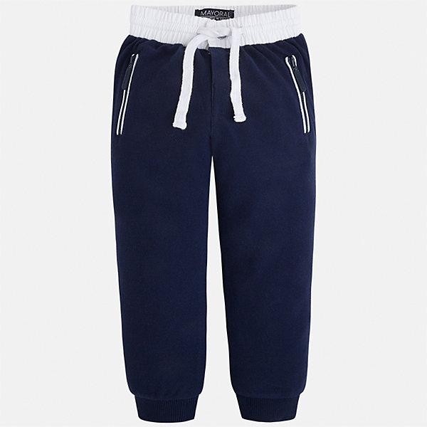 Брюки спортивные для мальчика MayoralБрюки<br>Характеристики товара:<br><br>• цвет: тёмно-синий<br>• состав: 100% хлопок<br>• манжеты<br>• карманы<br>• пояс - широкая резинка и шнурок<br>• страна бренда: Испания<br><br>Спортивные брюки для мальчика помогут обеспечить ребенку комфорт. Они отлично сочетаются с майками, футболками, куртками и т.д. Универсальный крой и цвет позволяет подобрать к вещи верх разных расцветок. Практичное и стильное изделие! В составе материала - натуральный хлопок, гипоаллергенный, приятный на ощупь, дышащий.<br><br>Одежда, обувь и аксессуары от испанского бренда Mayoral полюбились детям и взрослым по всему миру. Модели этой марки - стильные и удобные. Для их производства используются только безопасные, качественные материалы и фурнитура. Порадуйте ребенка модными и красивыми вещами от Mayoral! <br><br>Брюки для мальчика от испанского бренда Mayoral (Майорал) можно купить в нашем интернет-магазине.<br><br>Ширина мм: 215<br>Глубина мм: 88<br>Высота мм: 191<br>Вес г: 336<br>Цвет: синий<br>Возраст от месяцев: 84<br>Возраст до месяцев: 96<br>Пол: Мужской<br>Возраст: Детский<br>Размер: 128,104,122,98,134,92,116,110<br>SKU: 5280882