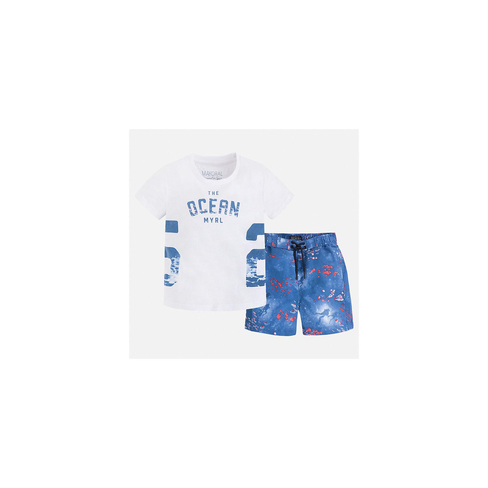 Купальный костюм для мальчика MayoralКомплекты<br>Характеристики товара:<br><br>• цвет: белый/синий<br>• состав: 100% хлопок<br>• украшен принтом<br>• комплектация: шорты, футболка<br>• пояс - резинка со шнурком<br>• быстросохнущий материал<br>• страна бренда: Испания<br><br>Одежда для купания должна быть удобной! Этот комплект не только хорошо сидит на ребенке, не стесняя движения и не натирая, он отлично смотрится! Шорты и футболка сшиты из легкой ткани, она очень быстро высыхает. <br><br>Купальный костюм для мальчика от испанского бренда Mayoral (Майорал) можно купить в нашем интернет-магазине.<br><br>Ширина мм: 183<br>Глубина мм: 60<br>Высота мм: 135<br>Вес г: 119<br>Цвет: синий<br>Возраст от месяцев: 84<br>Возраст до месяцев: 96<br>Пол: Мужской<br>Возраст: Детский<br>Размер: 128,92,104,110,116,122,134,98<br>SKU: 5280919