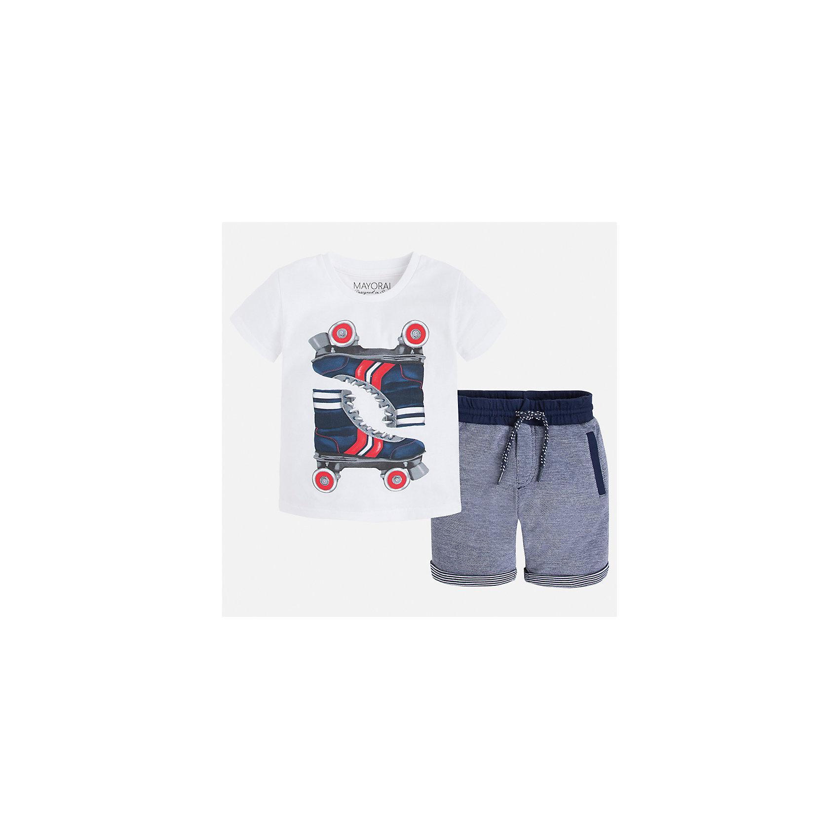 Комплект: бриджи и футболка для мальчика MayoralХарактеристики товара:<br><br>• цвет: белый/серый<br>• состав: футболка- 100% хлопок; шорты - 56% хлопок, 44% полиэстер<br>• комплектация: шорты, футболка<br>• круглый горловой вырез<br>• декорирована принтом<br>• короткие рукава<br>• шорты - пояс со шнурком<br>• страна бренда: Испания<br><br>Стильная удобная футболка с принтом и шорты помогут разнообразить гардероб мальчика и удобно одеться. Универсальный цвет позволяет подобрать к вещам верхнюю одежду практически любой расцветки. Интересная отделка модели делает её нарядной и оригинальной. В составе материала - только натуральный хлопок, гипоаллергенный, приятный на ощупь, дышащий.<br><br>Одежда, обувь и аксессуары от испанского бренда Mayoral полюбились детям и взрослым по всему миру. Модели этой марки - стильные и удобные. Для их производства используются только безопасные, качественные материалы и фурнитура. Порадуйте ребенка модными и красивыми вещами от Mayoral! <br><br>Комплект для мальчика от испанского бренда Mayoral (Майорал) можно купить в нашем интернет-магазине.<br><br>Ширина мм: 191<br>Глубина мм: 10<br>Высота мм: 175<br>Вес г: 273<br>Цвет: белый<br>Возраст от месяцев: 18<br>Возраст до месяцев: 24<br>Пол: Мужской<br>Возраст: Детский<br>Размер: 92,128,110,98,134,122,116,104<br>SKU: 5280928