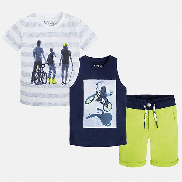 Комплект: футболка, майка и шорты для мальчика MayoralКомплекты<br>Характеристики товара:<br><br>• цвет: белый/синий/зеленый<br>• состав: 100% хлопок<br>• комплектация: шорты, футболка, майка<br>• круглый горловой вырез<br>• футболка декорированы принтом<br>• короткие рукава<br>• шорты шорт - пояс со шнурком<br>• страна бренда: Испания<br><br>Стильная удобная футболка с принтом и шорты с майкой помогут разнообразить гардероб мальчика и удобно одеться. Универсальный цвет позволяет подобрать к вещам верхнюю одежду практически любой расцветки. Интересная отделка модели делает её нарядной и оригинальной. В составе материала - только натуральный хлопок, гипоаллергенный, приятный на ощупь, дышащий.<br><br>Одежда, обувь и аксессуары от испанского бренда Mayoral полюбились детям и взрослым по всему миру. Модели этой марки - стильные и удобные. Для их производства используются только безопасные, качественные материалы и фурнитура. Порадуйте ребенка модными и красивыми вещами от Mayoral! <br><br>Комплект для мальчика от испанского бренда Mayoral (Майорал) можно купить в нашем интернет-магазине.<br><br>Ширина мм: 157<br>Глубина мм: 13<br>Высота мм: 119<br>Вес г: 200<br>Цвет: синий<br>Возраст от месяцев: 18<br>Возраст до месяцев: 24<br>Пол: Мужской<br>Возраст: Детский<br>Размер: 92,116,134,128,110,122,98,104<br>SKU: 5280955