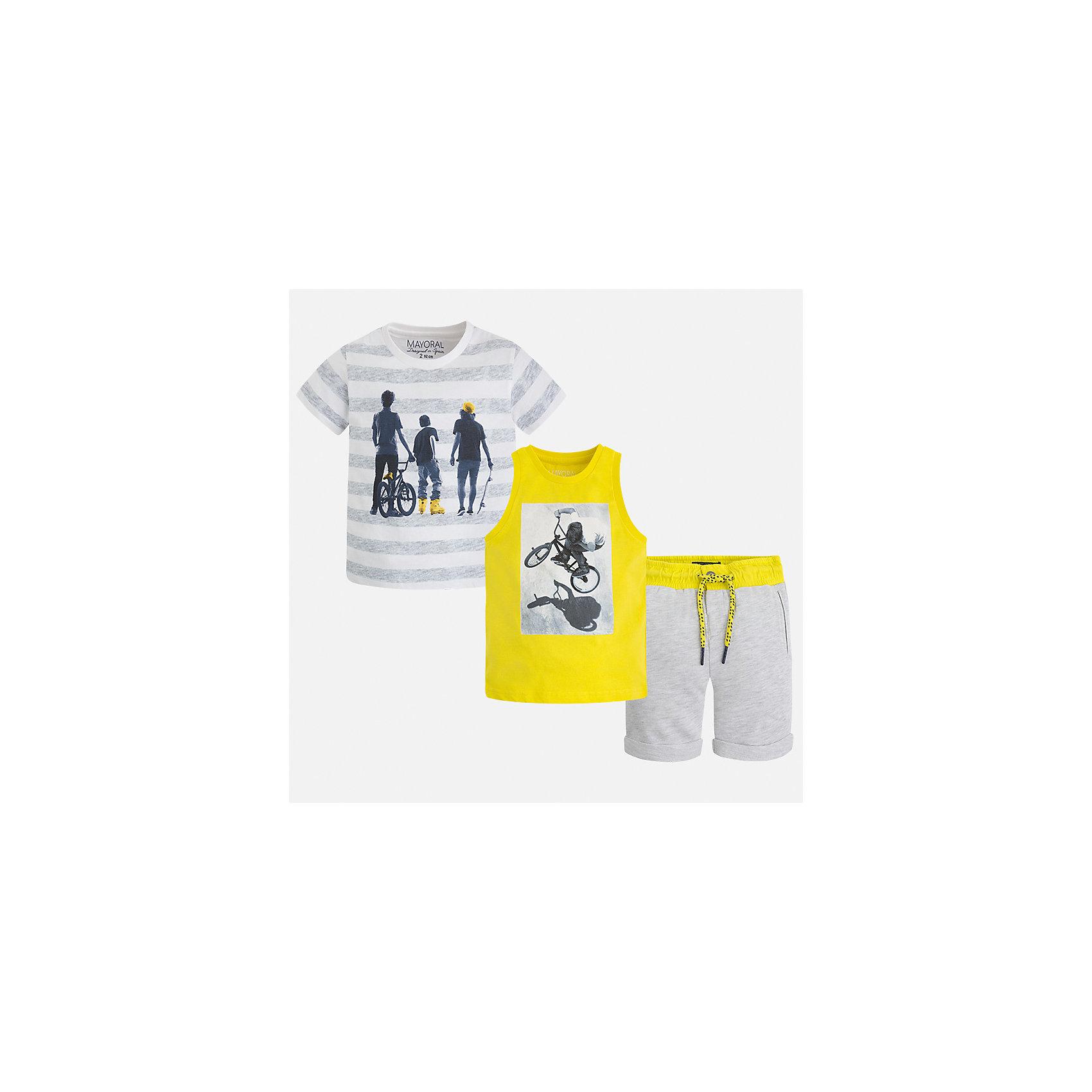 Комплект: футболка, майка и шорты для мальчика MayoralКомплекты<br>Характеристики товара:<br><br>• цвет: серый/жёлтый<br>• состав: 100% хлопок<br>• комплектация: шорты, футболка, майка<br>• круглый горловой вырез<br>• футболка декорированы принтом<br>• короткие рукава<br>• шорты - пояс со шнурком<br>• страна бренда: Испания<br><br>Стильная удобная футболка с принтом и шорты с майкой помогут разнообразить гардероб мальчика и удобно одеться. Универсальный цвет позволяет подобрать к вещам верхнюю одежду практически любой расцветки. Интересная отделка модели делает её нарядной и оригинальной. В составе материала - только натуральный хлопок, гипоаллергенный, приятный на ощупь, дышащий.<br><br>Одежда, обувь и аксессуары от испанского бренда Mayoral полюбились детям и взрослым по всему миру. Модели этой марки - стильные и удобные. Для их производства используются только безопасные, качественные материалы и фурнитура. Порадуйте ребенка модными и красивыми вещами от Mayoral! <br><br>Комплект для мальчика от испанского бренда Mayoral (Майорал) можно купить в нашем интернет-магазине.<br><br>Ширина мм: 157<br>Глубина мм: 13<br>Высота мм: 119<br>Вес г: 200<br>Цвет: желтый<br>Возраст от месяцев: 48<br>Возраст до месяцев: 60<br>Пол: Мужской<br>Возраст: Детский<br>Размер: 122,116,104,98,110,92,134,128<br>SKU: 5280973