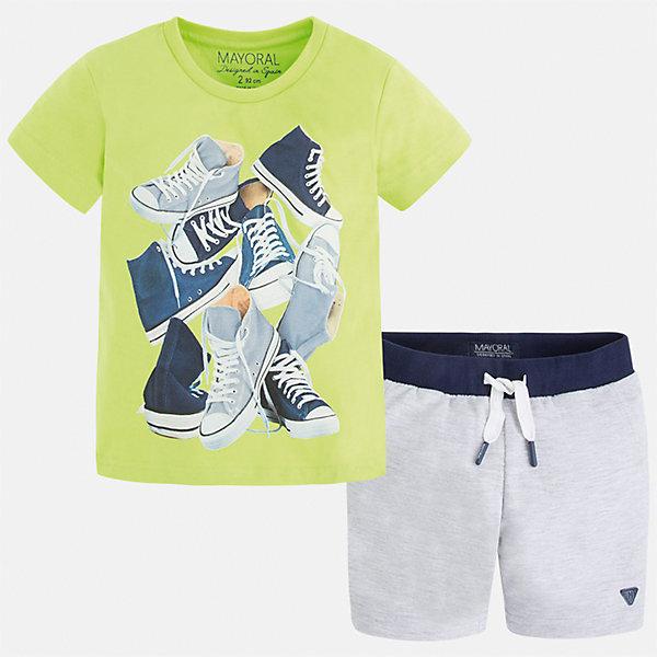 Комплект: футболка и шорты для мальчика MayoralКомплекты<br>Характеристики товара:<br><br>• цвет: зеленый/серый<br>• состав: футболка - 100% хлопок, шорты - 60% хлопок, 40% полиэстер<br>• комплектация: шорты, футболка<br>• круглый горловой вырез<br>• декорирована принтом<br>• короткие рукава<br>• шорты - пояс со шнурком<br>• страна бренда: Испания<br><br>Стильная удобная футболка с принтом и шорты помогут разнообразить гардероб мальчика и удобно одеться. Универсальный цвет позволяет подобрать к вещам верхнюю одежду практически любой расцветки. Интересная отделка модели делает её нарядной и оригинальной. В составе материала - только натуральный хлопок, гипоаллергенный, приятный на ощупь, дышащий.<br><br>Одежда, обувь и аксессуары от испанского бренда Mayoral полюбились детям и взрослым по всему миру. Модели этой марки - стильные и удобные. Для их производства используются только безопасные, качественные материалы и фурнитура. Порадуйте ребенка модными и красивыми вещами от Mayoral! <br><br>Комплект для мальчика от испанского бренда Mayoral (Майорал) можно купить в нашем интернет-магазине.<br>Ширина мм: 215; Глубина мм: 88; Высота мм: 191; Вес г: 336; Цвет: зеленый; Возраст от месяцев: 18; Возраст до месяцев: 24; Пол: Мужской; Возраст: Детский; Размер: 92,98,104,110,116,122,128,134; SKU: 5280982;