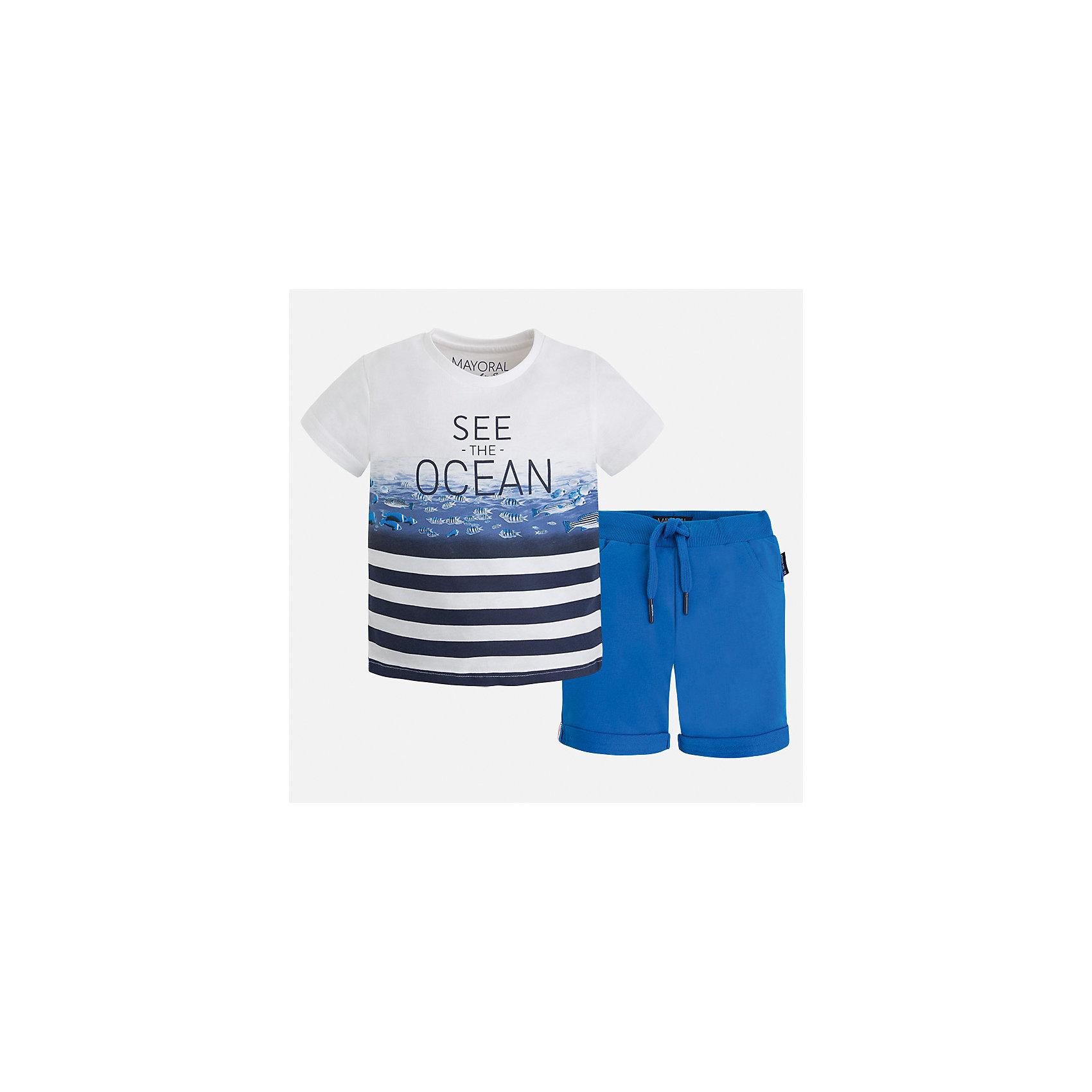 Комплект: бриджи и футболка для мальчика MayoralКомплекты<br>Характеристики товара:<br><br>• цвет: белый/голубой<br>• состав: 100% хлопок<br>• комплектация: футболка, шорты<br>• футболка с принтом<br>• отложной воротник<br>• шорты с карманами<br>• пояс - мягкая резинка и шнурок<br>• отвороты<br>• страна бренда: Испания<br><br>Красивый качественный комплект для мальчика поможет разнообразить гардероб ребенка и удобно одеться в теплую погоду. Интересная отделка модели делает её нарядной и оригинальной. В составе материала - только натуральный хлопок, гипоаллергенный, приятный на ощупь, дышащий.<br><br>Комплект: бриджи и футболка для мальчика от испанского бренда Mayoral (Майорал) можно купить в нашем интернет-магазине.<br><br>Ширина мм: 191<br>Глубина мм: 10<br>Высота мм: 175<br>Вес г: 273<br>Цвет: синий<br>Возраст от месяцев: 18<br>Возраст до месяцев: 24<br>Пол: Мужской<br>Возраст: Детский<br>Размер: 92,104,134,128,122,116,110,98<br>SKU: 5281027