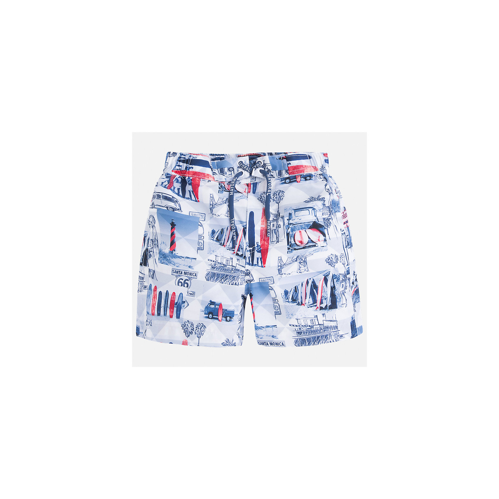 Шорты-плавки для мальчика MayoralКупальники и плавки<br>Характеристики товара:<br><br>• цвет: мультиколор<br>• состав: 100% полиэстер, подкладка - 100% полиэстер<br>• принт на ткани<br>• пояс со шнурком<br>• с подкладкой<br>• быстросохнущий материал<br>• страна бренда: Испания<br><br>Одежда для купания должна быть удобной! Эти плавательные шорты для мальчика не только хорошо сидят на ребенке, не стесняя движения и не натирая, они отлично смотрятся! Сшиты они из плотной ткани, но она очень быстро высыхает. Интересная расцветка модели делает её нарядной и оригинальной. <br><br>Одежда, обувь и аксессуары от испанского бренда Mayoral полюбились детям и взрослым по всему миру. Модели этой марки - стильные и удобные. Для их производства используются только безопасные, качественные материалы и фурнитура. Порадуйте ребенка модными и красивыми вещами от Mayoral! <br><br>Плавки для мальчика от испанского бренда Mayoral (Майорал) можно купить в нашем интернет-магазине.<br><br>Ширина мм: 183<br>Глубина мм: 60<br>Высота мм: 135<br>Вес г: 119<br>Цвет: белый<br>Возраст от месяцев: 18<br>Возраст до месяцев: 24<br>Пол: Мужской<br>Возраст: Детский<br>Размер: 92,98,134,128,122,116,110,104<br>SKU: 5281117