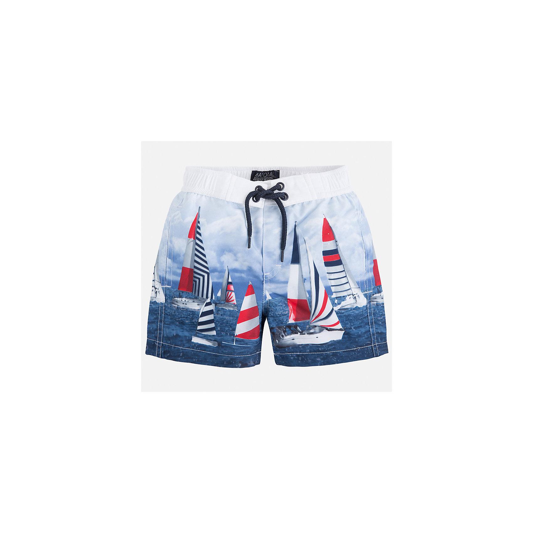 Плавки-шорты для мальчика MayoralЛови волну<br>Характеристики товара:<br><br>• цвет: голубой принт<br>• состав: 100% полиэстер, подкладка - 100% полиэстер<br>• принт на ткани<br>• пояс со шнурком<br>• с подкладкой<br>• быстросохнущий материал<br>• страна бренда: Испания<br><br>Одежда для купания должна быть удобной! Эти плавательные шорты для мальчика не только хорошо сидят на ребенке, не стесняя движения и не натирая, они отлично смотрятся! Сшиты они из плотной ткани, но она очень быстро высыхает. Интересная расцветка модели делает её нарядной и оригинальной. <br><br>Одежда, обувь и аксессуары от испанского бренда Mayoral полюбились детям и взрослым по всему миру. Модели этой марки - стильные и удобные. Для их производства используются только безопасные, качественные материалы и фурнитура. Порадуйте ребенка модными и красивыми вещами от Mayoral! <br><br>Плавки для мальчика от испанского бренда Mayoral (Майорал) можно купить в нашем интернет-магазине.<br><br>Ширина мм: 183<br>Глубина мм: 60<br>Высота мм: 135<br>Вес г: 119<br>Цвет: розовый<br>Возраст от месяцев: 84<br>Возраст до месяцев: 96<br>Пол: Мужской<br>Возраст: Детский<br>Размер: 128,122,92,116,110,98,134,104<br>SKU: 5281153