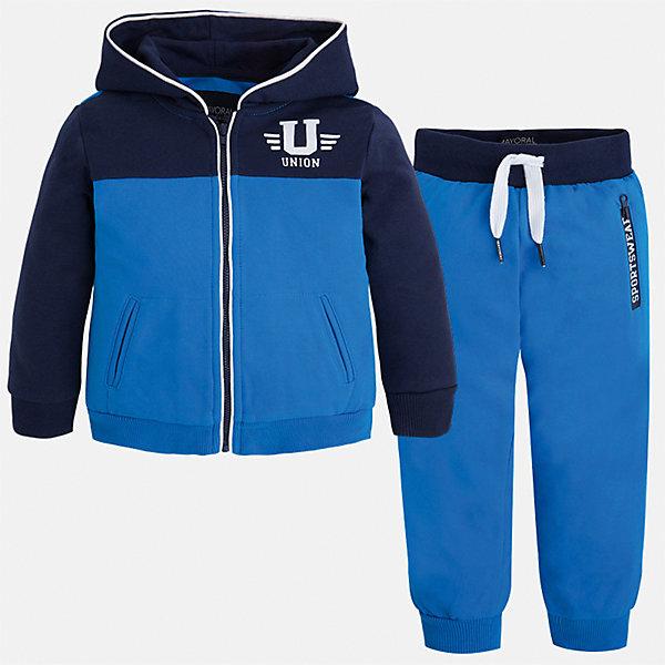 Спортивный костюм для мальчика MayoralКомплекты<br>Характеристики товара:<br><br>• цвет: синий<br>• состав: 60% хлопок, 40% полиэстер<br>• комплектация: курточка, штаны<br>• куртка декорирована принтом<br>• карманы<br>• капюшон<br>• штаны - пояс на шнурке<br>• манжеты<br>• страна бренда: Испания<br><br>Стильный качественный спортивный костюм для мальчика поможет разнообразить гардероб ребенка и удобно одеться. Курточка и штаны отлично сочетаются с другими предметами. Универсальный цвет позволяет подобрать к вещам верхнюю одежду практически любой расцветки. Интересная отделка модели делает её нарядной и оригинальной. В составе материала - натуральный хлопок, гипоаллергенный, приятный на ощупь, дышащий.<br><br>Одежда, обувь и аксессуары от испанского бренда Mayoral полюбились детям и взрослым по всему миру. Модели этой марки - стильные и удобные. Для их производства используются только безопасные, качественные материалы и фурнитура. Порадуйте ребенка модными и красивыми вещами от Mayoral! <br><br>Спортивный костюм для мальчика от испанского бренда Mayoral (Майорал) можно купить в нашем интернет-магазине.<br>Ширина мм: 247; Глубина мм: 16; Высота мм: 140; Вес г: 225; Цвет: синий; Возраст от месяцев: 48; Возраст до месяцев: 60; Пол: Мужской; Возраст: Детский; Размер: 110,92,116,122,98,134,104,128; SKU: 5281171;