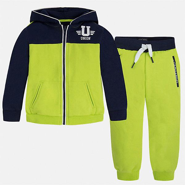 Спортивный костюм для мальчика MayoralКомплекты<br>Характеристики товара:<br><br>• цвет: зеленый/синий<br>• состав: 60% хлопок, 40% полиэстер<br>• комплектация: курточка, штаны<br>• куртка декорирована принтом<br>• карманы<br>• капюшон<br>• штаны - пояс на шнурке<br>• манжеты<br>• страна бренда: Испания<br><br>Стильный качественный спортивный костюм для мальчика поможет разнообразить гардероб ребенка и удобно одеться. Курточка и штаны отлично сочетаются с другими предметами. Универсальный цвет позволяет подобрать к вещам верхнюю одежду практически любой расцветки. Интересная отделка модели делает её нарядной и оригинальной. В составе материала - натуральный хлопок, гипоаллергенный, приятный на ощупь, дышащий.<br><br>Одежда, обувь и аксессуары от испанского бренда Mayoral полюбились детям и взрослым по всему миру. Модели этой марки - стильные и удобные. Для их производства используются только безопасные, качественные материалы и фурнитура. Порадуйте ребенка модными и красивыми вещами от Mayoral! <br><br>Спортивный костюм для мальчика от испанского бренда Mayoral (Майорал) можно купить в нашем интернет-магазине.<br><br>Ширина мм: 247<br>Глубина мм: 16<br>Высота мм: 140<br>Вес г: 225<br>Цвет: зеленый<br>Возраст от месяцев: 24<br>Возраст до месяцев: 36<br>Пол: Мужской<br>Возраст: Детский<br>Размер: 98,104,110,116,122,128,134,92<br>SKU: 5281189