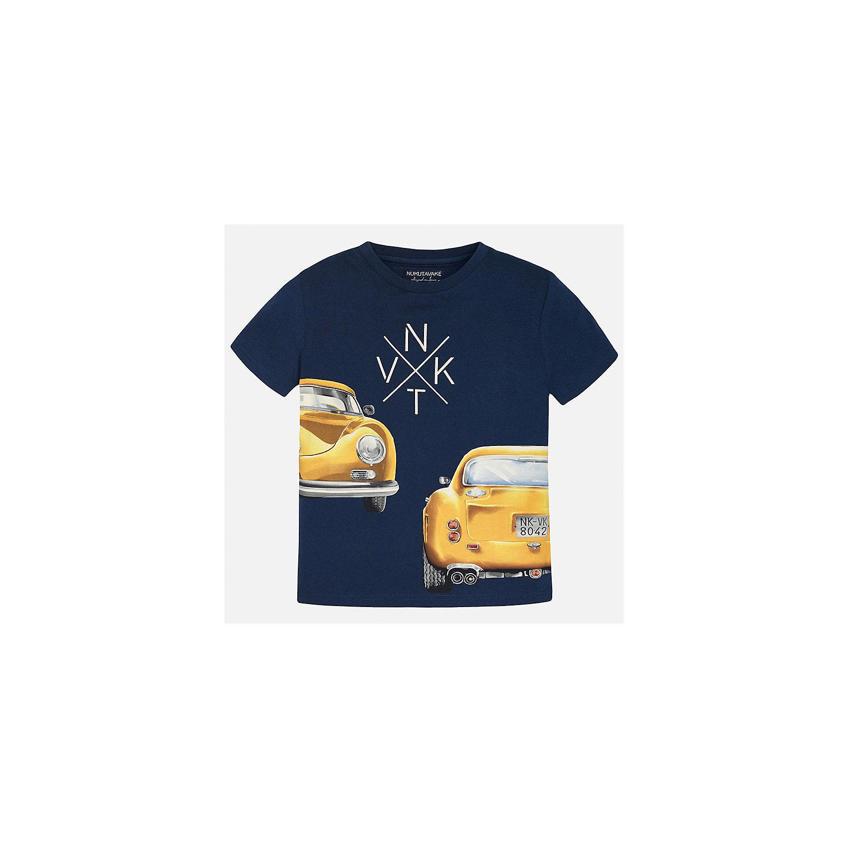 Футболка для мальчика MayoralФутболки, поло и топы<br>Характеристики товара:<br><br>• цвет: синий<br>• состав: 100% хлопок<br>• круглый горловой вырез<br>• декорирована принтом<br>• короткие рукава<br>• мягкая отделка горловины<br>• страна бренда: Испания<br><br>Стильная удобная футболка с принтом поможет разнообразить гардероб мальчика. Она отлично сочетается с брюками, шортами, джинсами. Универсальный крой и цвет позволяет подобрать к вещи низ разных расцветок. Практичное и стильное изделие! Хорошо смотрится и комфортно сидит на детях. В составе материала - только натуральный хлопок, гипоаллергенный, приятный на ощупь, дышащий. <br><br>Одежда, обувь и аксессуары от испанского бренда Mayoral полюбились детям и взрослым по всему миру. Модели этой марки - стильные и удобные. Для их производства используются только безопасные, качественные материалы и фурнитура. Порадуйте ребенка модными и красивыми вещами от Mayoral! <br><br>Футболку для мальчика от испанского бренда Mayoral (Майорал) можно купить в нашем интернет-магазине.<br><br>Ширина мм: 199<br>Глубина мм: 10<br>Высота мм: 161<br>Вес г: 151<br>Цвет: синий<br>Возраст от месяцев: 84<br>Возраст до месяцев: 96<br>Пол: Мужской<br>Возраст: Детский<br>Размер: 128/134,170,164,158,152,140<br>SKU: 5281244