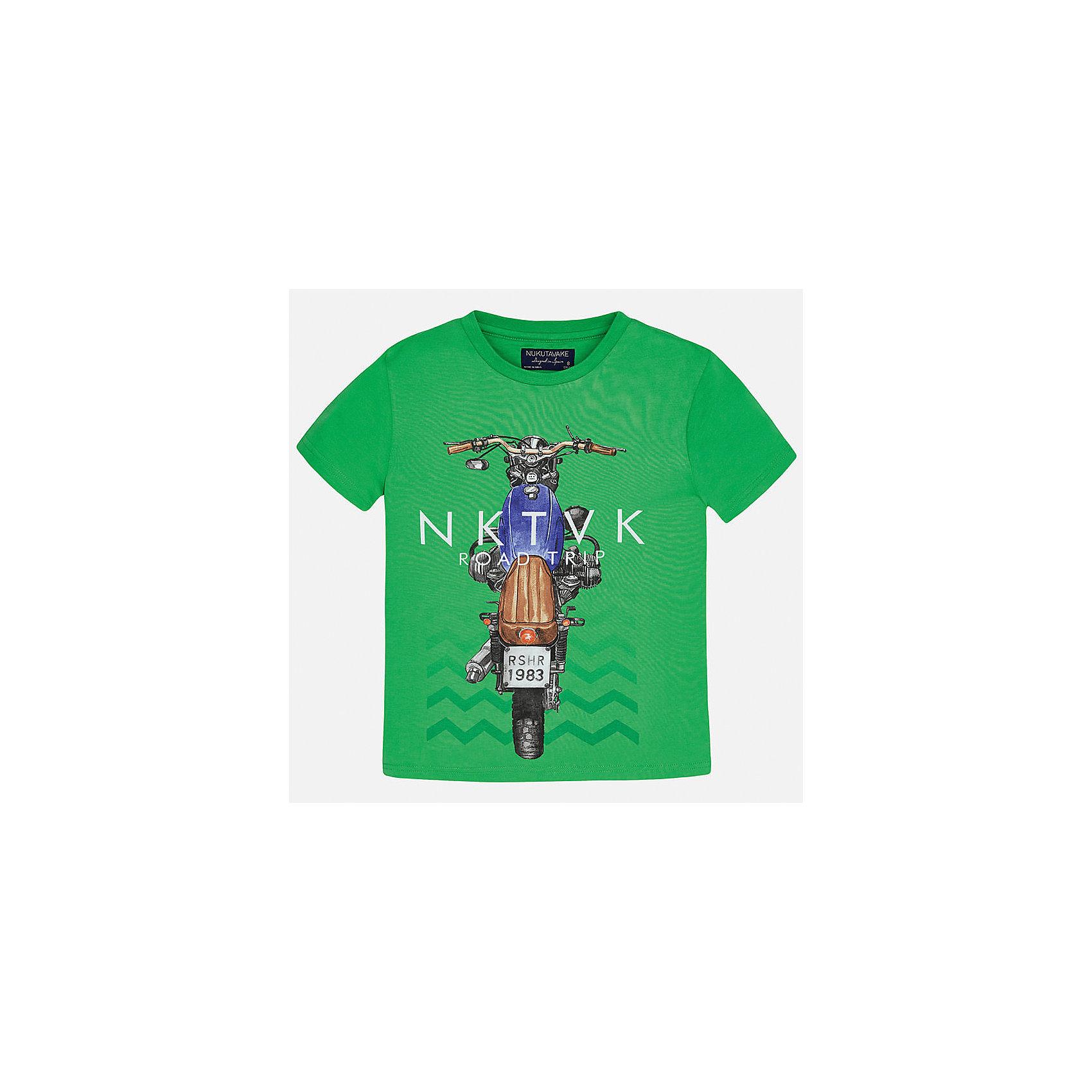 Футболка для мальчика MayoralФутболки, поло и топы<br>Характеристики товара:<br><br>• цвет: зеленый<br>• состав: 100% хлопок<br>• круглый горловой вырез<br>• декорирована принтом<br>• короткие рукава<br>• мягкая отделка горловины<br>• страна бренда: Испания<br><br>Модная удобная футболка с принтом поможет разнообразить гардероб мальчика. Она отлично сочетается с брюками, шортами, джинсами. Универсальный крой и цвет позволяет подобрать к вещи низ разных расцветок. Практичное и стильное изделие! Хорошо смотрится и комфортно сидит на детях. В составе материала - только натуральный хлопок, гипоаллергенный, приятный на ощупь, дышащий. <br><br>Одежда, обувь и аксессуары от испанского бренда Mayoral полюбились детям и взрослым по всему миру. Модели этой марки - стильные и удобные. Для их производства используются только безопасные, качественные материалы и фурнитура. Порадуйте ребенка модными и красивыми вещами от Mayoral! <br><br>Футболку для мальчика от испанского бренда Mayoral (Майорал) можно купить в нашем интернет-магазине.<br><br>Ширина мм: 199<br>Глубина мм: 10<br>Высота мм: 161<br>Вес г: 151<br>Цвет: зеленый<br>Возраст от месяцев: 84<br>Возраст до месяцев: 96<br>Пол: Мужской<br>Возраст: Детский<br>Размер: 128/134,170,164,158,152,140<br>SKU: 5281258