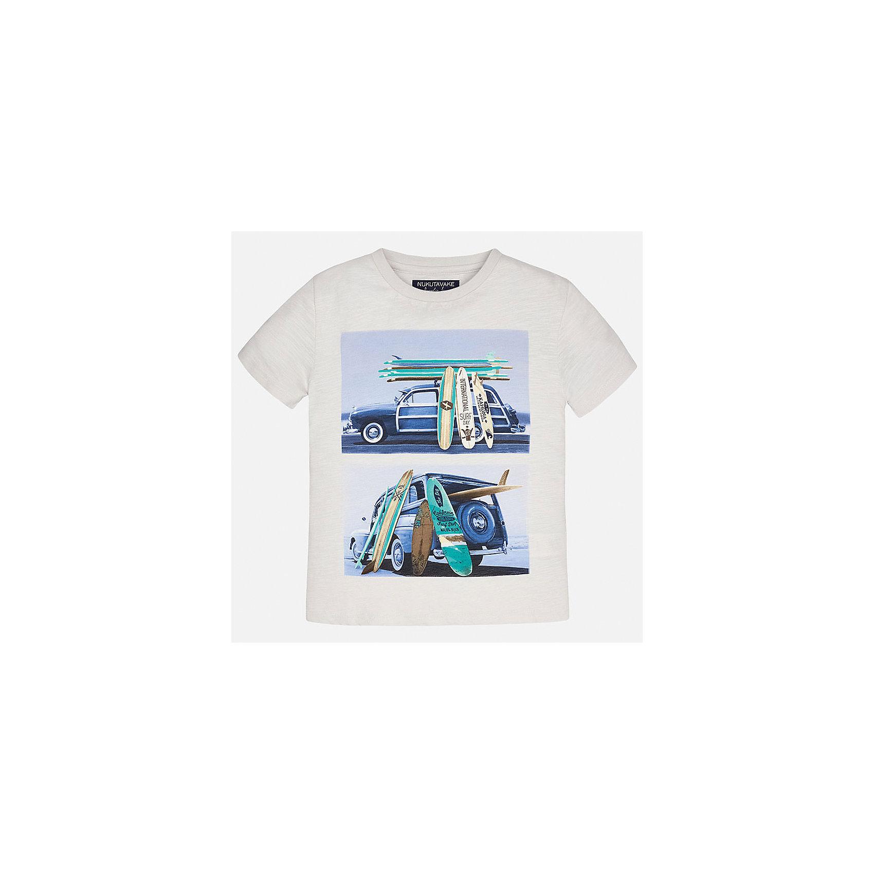 Футболка для мальчика MayoralФутболки, поло и топы<br>Характеристики товара:<br><br>• цвет: молочный<br>• состав: 100% хлопок<br>• круглый горловой вырез<br>• декорирована принтом<br>• короткие рукава<br>• мягкая отделка горловины<br>• страна бренда: Испания<br><br>Стильная удобная футболка с принтом поможет разнообразить гардероб мальчика. Она отлично сочетается с брюками, шортами, джинсами. Универсальный крой и цвет позволяет подобрать к вещи низ разных расцветок. Практичное и стильное изделие! Хорошо смотрится и комфортно сидит на детях. В составе материала - только натуральный хлопок, гипоаллергенный, приятный на ощупь, дышащий. <br><br>Одежда, обувь и аксессуары от испанского бренда Mayoral полюбились детям и взрослым по всему миру. Модели этой марки - стильные и удобные. Для их производства используются только безопасные, качественные материалы и фурнитура. Порадуйте ребенка модными и красивыми вещами от Mayoral! <br><br>Футболку для мальчика от испанского бренда Mayoral (Майорал) можно купить в нашем интернет-магазине.<br><br>Ширина мм: 199<br>Глубина мм: 10<br>Высота мм: 161<br>Вес г: 151<br>Цвет: бежевый<br>Возраст от месяцев: 84<br>Возраст до месяцев: 96<br>Пол: Мужской<br>Возраст: Детский<br>Размер: 128/134,170,164,158,152,140<br>SKU: 5281316