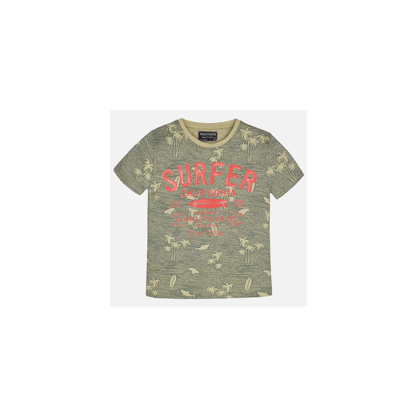 Футболка для мальчика MayoralФутболки, поло и топы<br>Характеристики товара:<br><br>• цвет: зеленый<br>• состав: 100% хлопок<br>• круглый горловой вырез<br>• декорирована принтом<br>• короткие рукава<br>• мягкая отделка горловины<br>• страна бренда: Испания<br><br>Модная удобная футболка с принтом поможет разнообразить гардероб мальчика. Она отлично сочетается с брюками, шортами, джинсами. Универсальный крой и цвет позволяет подобрать к вещи низ разных расцветок. Практичное и стильное изделие! Хорошо смотрится и комфортно сидит на детях. В составе материала - только натуральный хлопок, гипоаллергенный, приятный на ощупь, дышащий. <br><br>Одежда, обувь и аксессуары от испанского бренда Mayoral полюбились детям и взрослым по всему миру. Модели этой марки - стильные и удобные. Для их производства используются только безопасные, качественные материалы и фурнитура. Порадуйте ребенка модными и красивыми вещами от Mayoral! <br><br>Футболку для мальчика от испанского бренда Mayoral (Майорал) можно купить в нашем интернет-магазине.<br><br>Ширина мм: 199<br>Глубина мм: 10<br>Высота мм: 161<br>Вес г: 151<br>Цвет: зеленый<br>Возраст от месяцев: 84<br>Возраст до месяцев: 96<br>Пол: Мужской<br>Возраст: Детский<br>Размер: 128/134,170,164,158,152,140<br>SKU: 5281409
