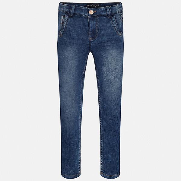 Джинсы для мальчика MayoralДжинсовая одежда<br>Характеристики товара:<br><br>• цвет: синий<br>• состав: 52% хлопок, 47% полиэстер, 1% эластан<br>• эффект потертости<br>• карманы<br>• пояс с регулировкой объема<br>• шлевки<br>• страна бренда: Испания<br><br>Стильные джинсы для мальчика смогут разнообразить гардероб ребенка и украсить наряд. Они отлично сочетаются с майками, футболками, блузками. Интересный крой модели делает её нарядной и оригинальной. В составе материала - натуральный хлопок, гипоаллергенный, приятный на ощупь, дышащий.<br><br>Джинсы для мальчика от испанского бренда Mayoral (Майорал) можно купить в нашем интернет-магазине.<br><br>Ширина мм: 215<br>Глубина мм: 88<br>Высота мм: 191<br>Вес г: 336<br>Цвет: синий<br>Возраст от месяцев: 132<br>Возраст до месяцев: 144<br>Пол: Мужской<br>Возраст: Детский<br>Размер: 158,152,164,128/134,170,140<br>SKU: 5282024
