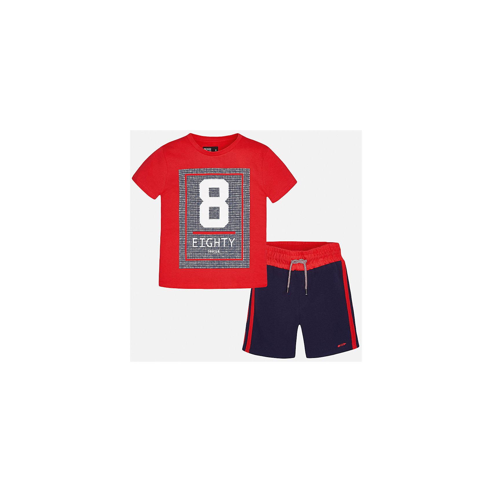 Комплект: футболка и брюки для мальчика MayoralСпортивная форма<br>Характеристики товара:<br><br>• цвет: красный/синий<br>• состав: 100% хлопок<br>• комплектация: шорты, футболка<br>• круглый горловой вырез<br>• декорирована принтом<br>• короткие рукава<br>• шорты - пояс со шнурком<br>• страна бренда: Испания<br><br>Стильная удобная футболка с принтом и шорты помогут разнообразить гардероб мальчика и удобно одеться. Универсальный цвет позволяет подобрать к вещам верхнюю одежду практически любой расцветки. Интересная отделка модели делает её нарядной и оригинальной. В составе материала - только натуральный хлопок, гипоаллергенный, приятный на ощупь, дышащий.<br><br>Одежда, обувь и аксессуары от испанского бренда Mayoral полюбились детям и взрослым по всему миру. Модели этой марки - стильные и удобные. Для их производства используются только безопасные, качественные материалы и фурнитура. Порадуйте ребенка модными и красивыми вещами от Mayoral! <br><br>Комплект для мальчика от испанского бренда Mayoral (Майорал) можно купить в нашем интернет-магазине.<br><br>Ширина мм: 215<br>Глубина мм: 88<br>Высота мм: 191<br>Вес г: 336<br>Цвет: розовый<br>Возраст от месяцев: 84<br>Возраст до месяцев: 96<br>Пол: Мужской<br>Возраст: Детский<br>Размер: 128/134,170,164,158,152,140<br>SKU: 5282059