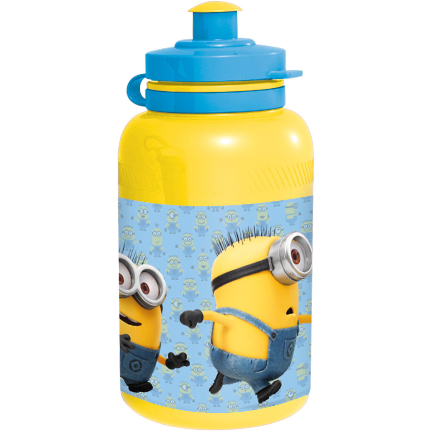 Бутылка пластиковая Миньоны 400 млБутылки для воды и бутербродницы<br>Характеристики товара:<br><br>• материал: пластик<br>• украшена рисунком<br>• размер: 6,5х6,5х15 см<br>• вес: 40 г<br>• объем: 400 мл<br>• страна бренда: Испания<br>• страна производства: Китай<br><br>Такая бутылка станет отличным подарком для ребенка! Она отличается тем, что на предмете изображены персонажи из мультфильма Миньоны. Есть или пить из предметов с любимым героем многих современных детей - всегда приятнее. Бутылочка очень удобна, объем оптимален для детей, сюда как раз вместится необходимый для одной тренировки объем воды. Плюс - изделие дополнено специальной крышкой. Использовать его можно и в школе, и на улице!<br>Бутылка выпущена в удобном формате, размер - универсальный. Изделие производится из качественных и проверенных материалов, которые безопасны для детей.<br><br>Бутылку пластиковую Миньоны 400 мл можно купить в нашем интернет-магазине.<br><br>Ширина мм: 65<br>Глубина мм: 65<br>Высота мм: 150<br>Вес г: 40<br>Возраст от месяцев: 36<br>Возраст до месяцев: 108<br>Пол: Унисекс<br>Возраст: Детский<br>SKU: 5282071