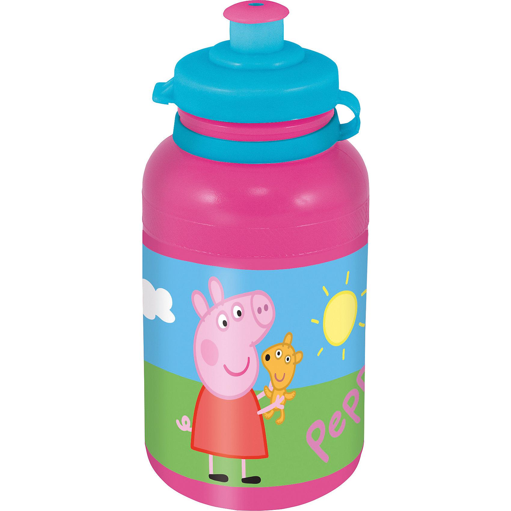Бутылка пластиковая Свинка Пеппа 400 млХарактеристики товара:<br><br>• материал: пластик<br>• украшена рисунком<br>• размер: 6,5х6,5х15 см<br>• вес: 40 г<br>• объем: 400 мл<br>• страна бренда: Испания<br>• страна производства: Китай<br><br>Такая бутылка станет отличным подарком для ребенка! Она отличается тем, что на предмете изображены персонажи из мультфильма Свинка Пеппа. Есть или пить из предметов с любимым героем многих современных детей - всегда приятнее. Бутылочка очень удобна, объем оптимален для детей, сюда как раз вместится необходимый для одной тренировки объем воды. Плюс - изделие дополнено специальной крышкой. Использовать его можно и в школе, и на улице!<br>Бутылка выпущена в удобном формате, размер - универсальный. Изделие производится из качественных и проверенных материалов, которые безопасны для детей.<br><br>Бутылку пластиковую Свинка Пеппа 400 мл можно купить в нашем интернет-магазине.<br><br>Ширина мм: 65<br>Глубина мм: 65<br>Высота мм: 150<br>Вес г: 40<br>Возраст от месяцев: 36<br>Возраст до месяцев: 108<br>Пол: Женский<br>Возраст: Детский<br>SKU: 5282073
