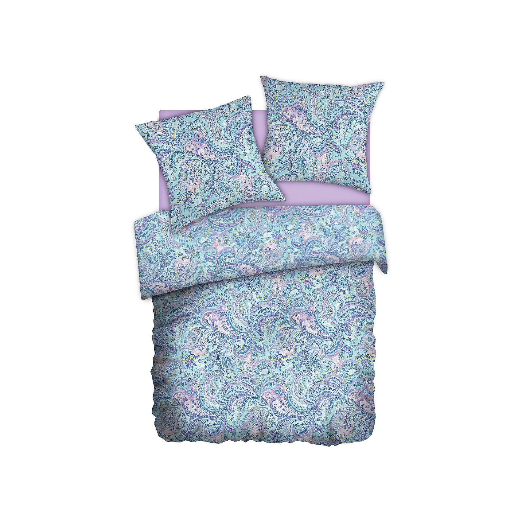 Постельное белье 1,5 Paisley lazure (70*70), перкаль, Carte BlancheДомашний текстиль<br>Постельное белье 1,5 Paisley lazure (70*70), перкаль, Carte Blanche, (Карт Бланш)<br><br>Характеристики:<br><br>• привлекательный дизайн<br>• в комплекте: пододеяльник, простыня, наволочки (2 шт.)<br>• застежка: прорезь<br>• материал: перкаль (100% хлопок)<br>• размер пододеяльника: 215х145 см<br>• размер простыни: 220х150 см<br>• размер наволочки: 70х70 см<br><br>Комплект постельного белья Carte Blanche состоит из пододеяльника, простыни и двух наволочек. Они изготовлены из высококачественной ткани - перкаль. Перкаль - хлопковый материал из тончайших некрученых нитей. обладающий высокой прочностью. Белье не меняет свой вид и не выцветает после многочисленных стирок.  Специальная пропитка Wise Silk придаст белью мягкость. Комплект украшен приятным узором, создающим атмосферу гармонии в вашей спальне. Высококачественное постельное белье - залог крепкого и здорового сна!<br><br>Постельное белье 1,5 Paisley lazure (70*70), перкаль, Carte Blanche, (Карт Бланш) можно купить в нашем интернет-магазине.<br><br>Ширина мм: 350<br>Глубина мм: 290<br>Высота мм: 150<br>Вес г: 1400<br>Возраст от месяцев: 36<br>Возраст до месяцев: 216<br>Пол: Женский<br>Возраст: Детский<br>SKU: 5288436