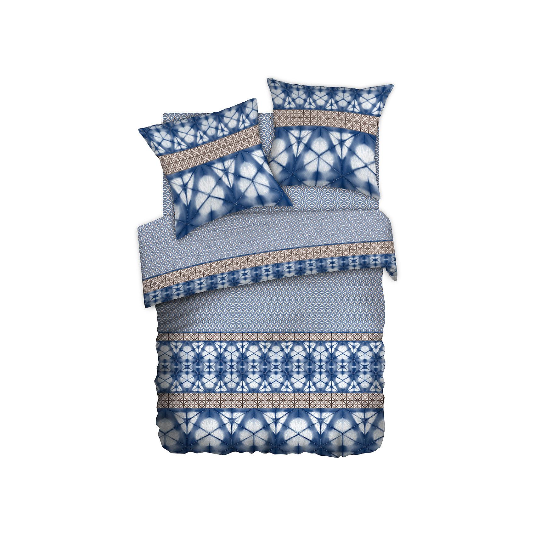 Постельное белье Евро Shibori (70*70), перкаль, Carte BlancheДомашний текстиль<br>Постельное белье Евро Shibori (70*70), перкаль, Carte Blanche, (Карт Бланш)<br><br>Характеристики:<br><br>• привлекательный дизайн<br>• в комплекте: пододеяльник, простыня, наволочки (2 шт.)<br>• застежка: прорезь<br>• материал: перкаль (100% хлопок)<br>• размер пододеяльника: 215х220 см<br>• размер простыни: 220х240 см<br>• размер наволочки: 70х70 см<br><br>Комплект постельного белья Carte Blanche состоит из пододеяльника, простыни и двух наволочек. Они изготовлены из высококачественной ткани - перкаль. Перкаль - хлопковый материал из тончайших некрученых нитей. обладающий высокой прочностью. Белье не меняет свой вид и не выцветает после многочисленных стирок.  Специальная пропитка Wise Silk придаст белью мягкость. Комплект украшен приятным узором, создающим атмосферу гармонии в вашей спальне. Высококачественное постельное белье - залог крепкого и здорового сна!<br><br>Постельное белье Евро Shibori (70*70), перкаль, Carte Blanche, (Карт Бланш) вы можете купить в нашем интернет-магазине.<br><br>Ширина мм: 350<br>Глубина мм: 290<br>Высота мм: 150<br>Вес г: 2500<br>Возраст от месяцев: 216<br>Возраст до месяцев: 1188<br>Пол: Унисекс<br>Возраст: Детский<br>SKU: 5288481