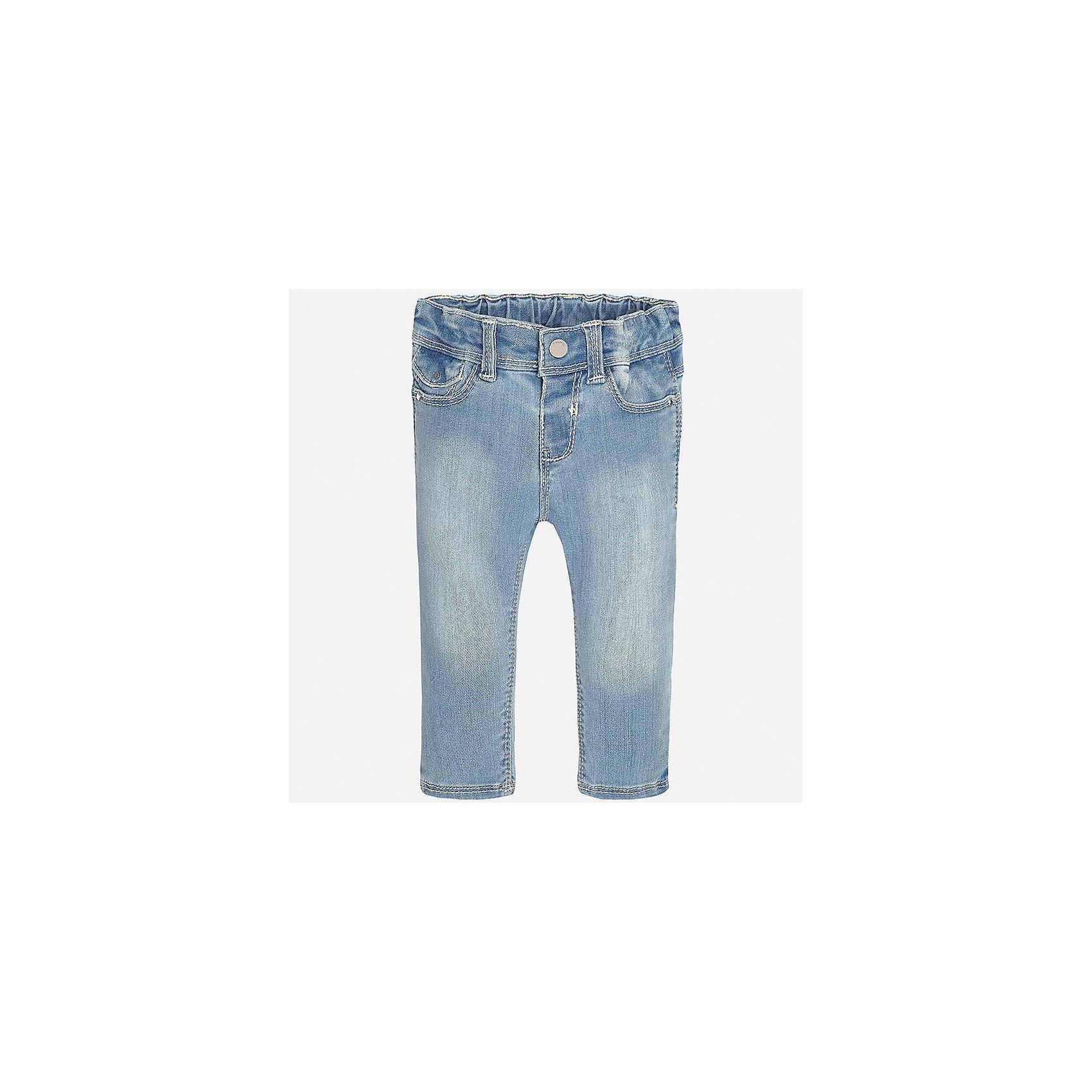 Джинсы для девочки MayoralДжинсы<br>Характеристики товара:<br><br>• цвет: голубой<br>• состав: 81% хлопок, 17% полиэстер, 2% эластан<br>• эффект потертости<br>• карманы<br>• пояс с регулировкой объема<br>• шлевки<br>• страна бренда: Испания<br><br>Стильные джинсы для девочки смогут разнообразить гардероб ребенка и украсить наряд. Они отлично сочетаются с майками, футболками, блузками. Красивый оттенок позволяет подобрать к вещи верх разных расцветок. Интересный крой модели делает её нарядной и оригинальной. В составе материала - натуральный хлопок, гипоаллергенный, приятный на ощупь, дышащий.<br><br>Одежда, обувь и аксессуары от испанского бренда Mayoral полюбились детям и взрослым по всему миру. Модели этой марки - стильные и удобные. Для их производства используются только безопасные, качественные материалы и фурнитура. Порадуйте ребенка модными и красивыми вещами от Mayoral! <br><br>Джинсы для девочки от испанского бренда Mayoral (Майорал) можно купить в нашем интернет-магазине.<br><br>Ширина мм: 215<br>Глубина мм: 88<br>Высота мм: 191<br>Вес г: 336<br>Цвет: синий<br>Возраст от месяцев: 12<br>Возраст до месяцев: 18<br>Пол: Женский<br>Возраст: Детский<br>Размер: 86,74,92,80<br>SKU: 5288483
