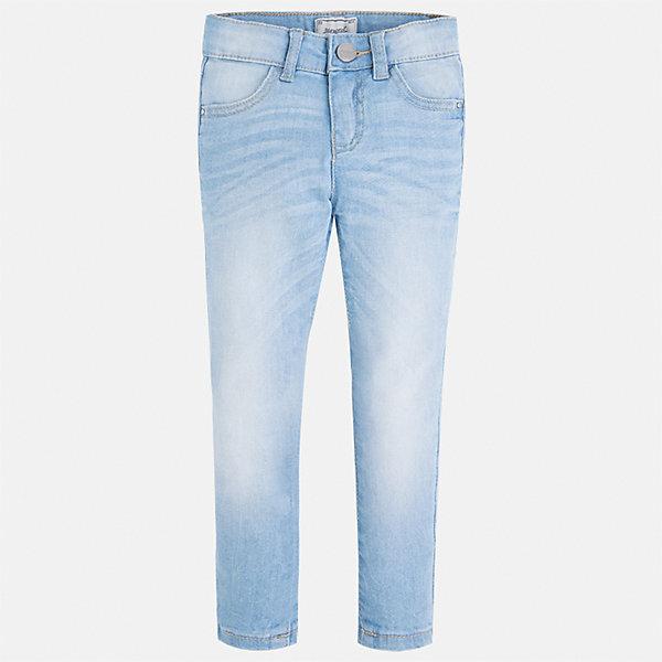 Джинсы для девочки MayoralДжинсовая одежда<br>Характеристики товара:<br><br>• цвет: голубой<br>• состав: 98% хлопок, 2% эластан<br>• эффект потертости<br>• карманы<br>• пояс с регулировкой объема<br>• шлевки<br>• страна бренда: Испания<br><br>Стильные джинсы для девочки смогут разнообразить гардероб ребенка и украсить наряд. Они отлично сочетаются с майками, футболками, блузками. Красивый оттенок позволяет подобрать к вещи верх разных расцветок. Интересный крой модели делает её нарядной и оригинальной. В составе материала - натуральный хлопок, гипоаллергенный, приятный на ощупь, дышащий.<br><br>Одежда, обувь и аксессуары от испанского бренда Mayoral полюбились детям и взрослым по всему миру. Модели этой марки - стильные и удобные. Для их производства используются только безопасные, качественные материалы и фурнитура. Порадуйте ребенка модными и красивыми вещами от Mayoral! <br><br>Джинсы для девочки от испанского бренда Mayoral (Майорал) можно купить в нашем интернет-магазине.<br><br>Ширина мм: 215<br>Глубина мм: 88<br>Высота мм: 191<br>Вес г: 336<br>Цвет: синий<br>Возраст от месяцев: 24<br>Возраст до месяцев: 36<br>Пол: Женский<br>Возраст: Детский<br>Размер: 98,92,134,128,122,116,110,104<br>SKU: 5288497