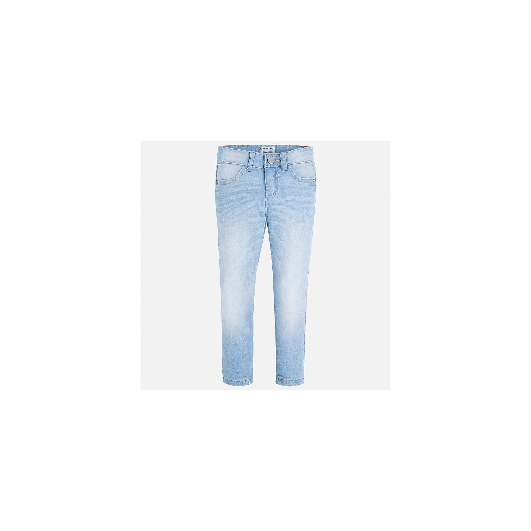 Джинсы для девочки MayoralДжинсовая одежда<br>Характеристики товара:<br><br>• цвет: голубой<br>• состав: 98% хлопок, 2% эластан<br>• эффект потертости<br>• карманы<br>• пояс с регулировкой объема<br>• шлевки<br>• страна бренда: Испания<br><br>Стильные джинсы для девочки смогут разнообразить гардероб ребенка и украсить наряд. Они отлично сочетаются с майками, футболками, блузками. Красивый оттенок позволяет подобрать к вещи верх разных расцветок. Интересный крой модели делает её нарядной и оригинальной. В составе материала - натуральный хлопок, гипоаллергенный, приятный на ощупь, дышащий.<br><br>Одежда, обувь и аксессуары от испанского бренда Mayoral полюбились детям и взрослым по всему миру. Модели этой марки - стильные и удобные. Для их производства используются только безопасные, качественные материалы и фурнитура. Порадуйте ребенка модными и красивыми вещами от Mayoral! <br><br>Джинсы для девочки от испанского бренда Mayoral (Майорал) можно купить в нашем интернет-магазине.<br><br>Ширина мм: 215<br>Глубина мм: 88<br>Высота мм: 191<br>Вес г: 336<br>Цвет: синий<br>Возраст от месяцев: 96<br>Возраст до месяцев: 108<br>Пол: Женский<br>Возраст: Детский<br>Размер: 134,92,98,104,110,116,122,128<br>SKU: 5288497