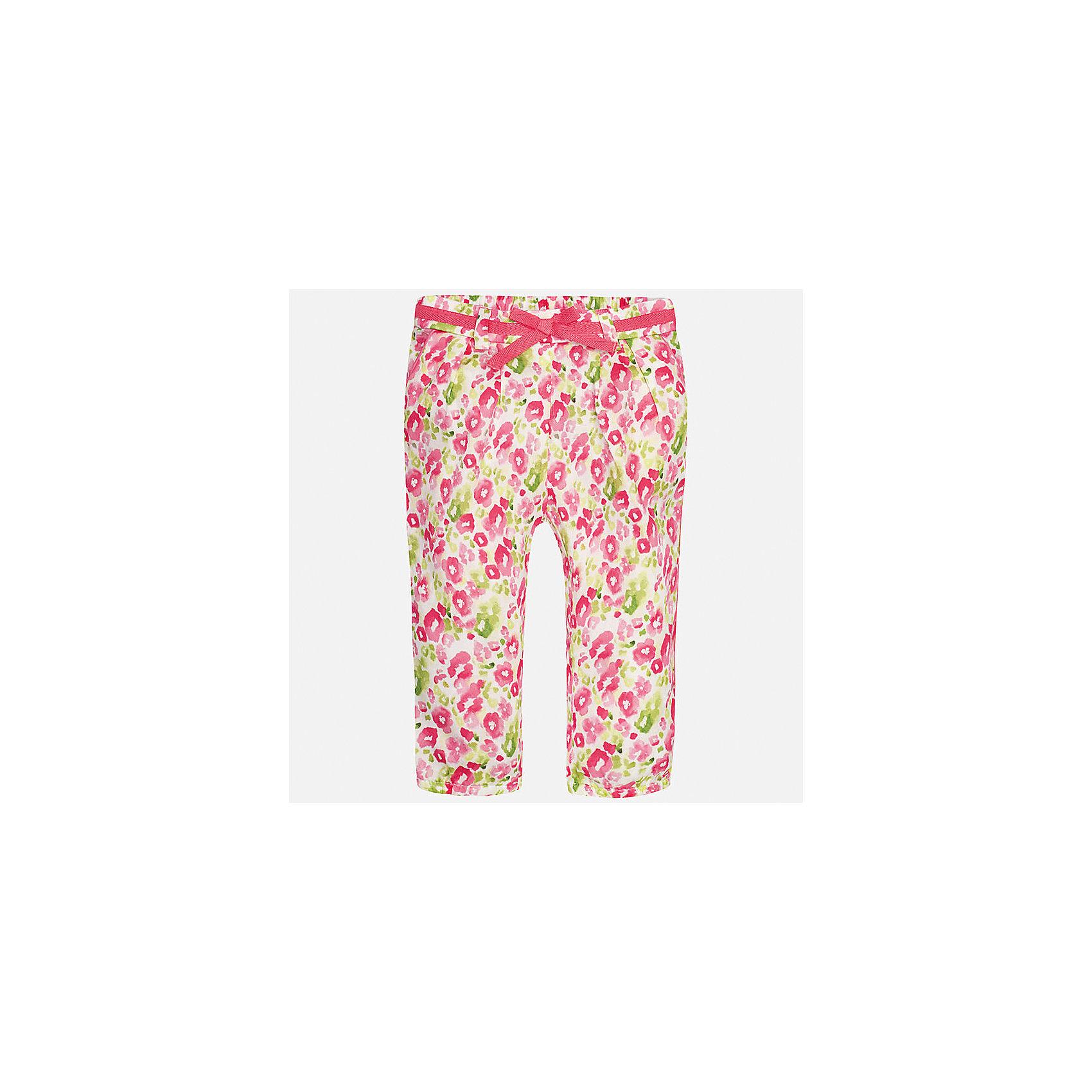 Брюки для девочки MayoralВесенняя капель<br>Характеристики товара:<br><br>• цвет: розовый<br>• состав: 100% хлопок<br>• складки на талии<br>• шлевки<br>• пояс с регулировкой объема<br>• цветочный принт<br>• страна бренда: Испания<br><br>Модные легкие брюки для девочки смогут разнообразить гардероб ребенка и украсить наряд. Они отлично сочетаются с майками, футболками, блузками. Красивый оттенок позволяет подобрать к вещи верх разных расцветок. Интересный крой модели делает её нарядной и оригинальной. <br><br>Одежда, обувь и аксессуары от испанского бренда Mayoral полюбились детям и взрослым по всему миру. Модели этой марки - стильные и удобные. Для их производства используются только безопасные, качественные материалы и фурнитура. Порадуйте ребенка модными и красивыми вещами от Mayoral! <br><br>Брюки для девочки от испанского бренда Mayoral (Майорал) можно купить в нашем интернет-магазине.<br><br>Ширина мм: 215<br>Глубина мм: 88<br>Высота мм: 191<br>Вес г: 336<br>Цвет: розовый<br>Возраст от месяцев: 6<br>Возраст до месяцев: 9<br>Пол: Женский<br>Возраст: Детский<br>Размер: 74,92,86,80<br>SKU: 5288991