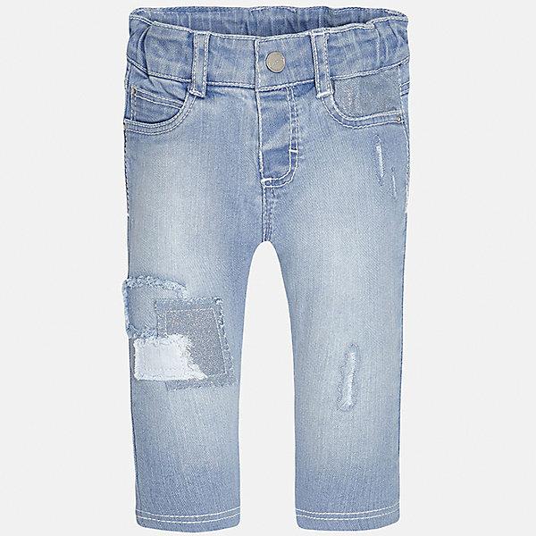 Джинсы для девочки MayoralДжинсы и брючки<br>Характеристики товара:<br><br>• цвет: голубой<br>• состав: 98% хлопок, 2% эластан<br>• эффект потертости<br>• карманы<br>• пояс с регулировкой объема<br>• шлевки<br>• страна бренда: Испания<br><br>Стильные джинсы для девочки смогут разнообразить гардероб ребенка и украсить наряд. Они отлично сочетаются с майками, футболками, блузками. Красивый оттенок позволяет подобрать к вещи верх разных расцветок. Интересный крой модели делает её нарядной и оригинальной. В составе материала - натуральный хлопок, гипоаллергенный, приятный на ощупь, дышащий.<br><br>Одежда, обувь и аксессуары от испанского бренда Mayoral полюбились детям и взрослым по всему миру. Модели этой марки - стильные и удобные. Для их производства используются только безопасные, качественные материалы и фурнитура. Порадуйте ребенка модными и красивыми вещами от Mayoral! <br><br>Джинсы для девочки от испанского бренда Mayoral (Майорал) можно купить в нашем интернет-магазине.<br>Ширина мм: 215; Глубина мм: 88; Высота мм: 191; Вес г: 336; Цвет: голубой; Возраст от месяцев: 6; Возраст до месяцев: 9; Пол: Женский; Возраст: Детский; Размер: 74,92,86,80; SKU: 5288996;