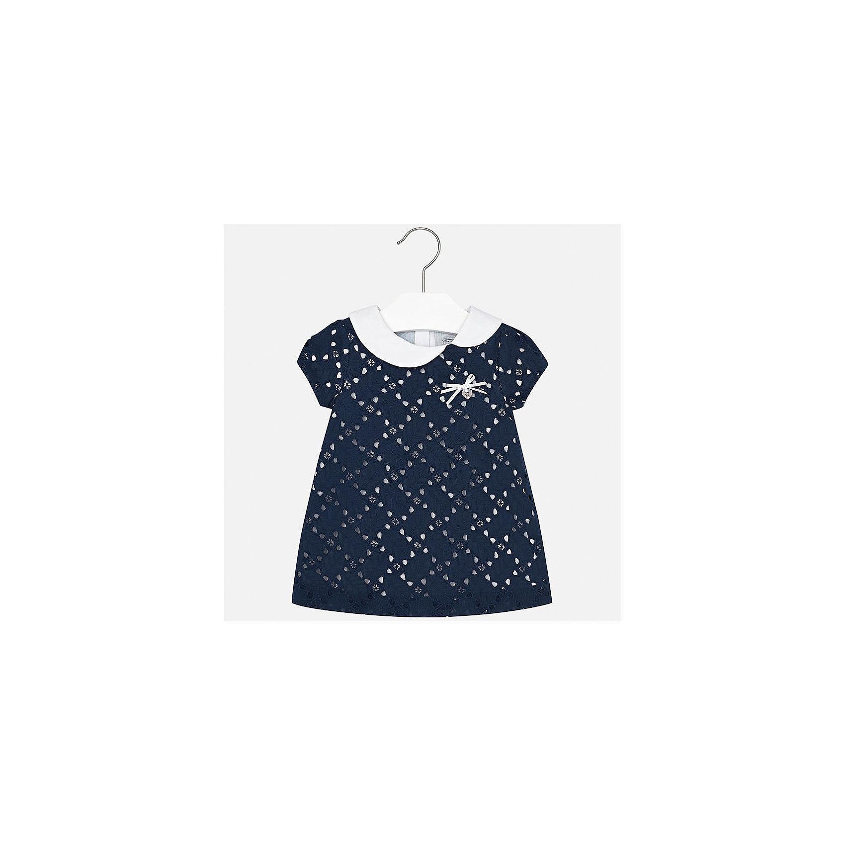 Платье для девочки MayoralПлатья<br>Характеристики товара:<br><br>• цвет: тёмно-синий<br>• состав: 100% хлопок, подкладка - 50% полиэстер, 50% хлопок<br>• застежка: молния<br>• легкий материал<br>• отложной воротник<br>• украшено бантом<br>• с подкладкой<br>• короткие рукава<br>• страна бренда: Испания<br><br>Красивое легкое платье для девочки поможет разнообразить гардероб ребенка и создать эффектный наряд. Оно подойдет и для торжественных случаев, может быть и как ежедневный наряд. Красивый оттенок позволяет подобрать к вещи обувь разных расцветок. В составе материала подкладки - натуральный хлопок, гипоаллергенный, приятный на ощупь, дышащий. Платье хорошо сидит по фигуре.<br><br>Одежда, обувь и аксессуары от испанского бренда Mayoral полюбились детям и взрослым по всему миру. Модели этой марки - стильные и удобные. Для их производства используются только безопасные, качественные материалы и фурнитура. Порадуйте ребенка модными и красивыми вещами от Mayoral! <br><br>Платье для девочки от испанского бренда Mayoral (Майорал) можно купить в нашем интернет-магазине.<br><br>Ширина мм: 236<br>Глубина мм: 16<br>Высота мм: 184<br>Вес г: 177<br>Цвет: синий<br>Возраст от месяцев: 12<br>Возраст до месяцев: 15<br>Пол: Женский<br>Возраст: Детский<br>Размер: 80,92,74,86<br>SKU: 5289163