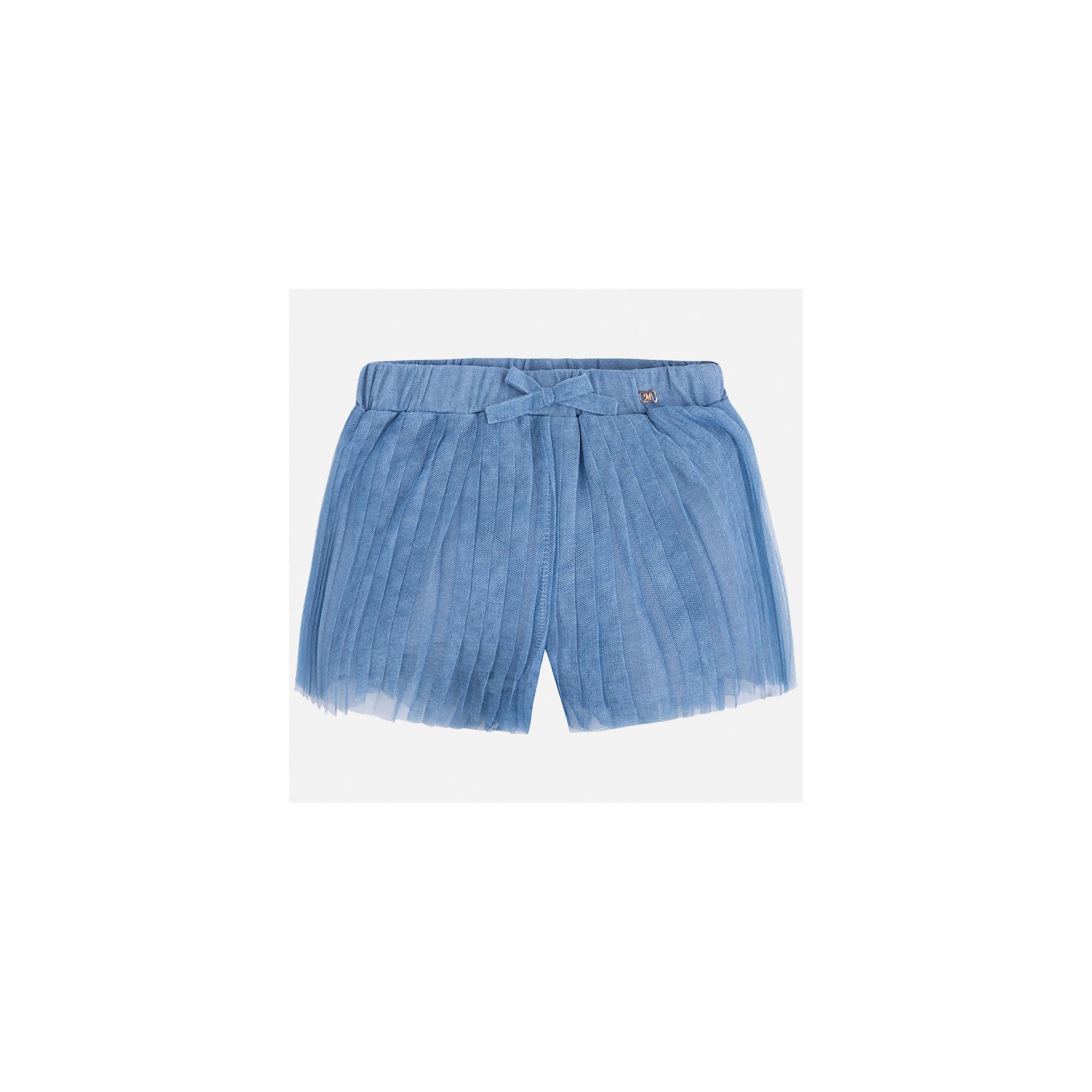 Шорты для девочки MayoralШорты, бриджи, капри<br>Характеристики товара:<br><br>• цвет: голубой<br>• состав: полиэстер, хлопок<br>• легкий материал<br>• с подкладкой<br>• пояс на резинке<br>• украшены бантиком<br>• страна бренда: Испания<br><br>Модные легкие шорты для девочки смогут разнообразить гардероб ребенка и украсить наряд. Они отлично сочетаются с майками, футболками, блузками. Красивый оттенок позволяет подобрать к вещи верх разных расцветок. Интересный крой модели делает её нарядной и оригинальной.<br> <br>Одежда, обувь и аксессуары от испанского бренда Mayoral полюбились детям и взрослым по всему миру. Модели этой марки - стильные и удобные. Для их производства используются только безопасные, качественные материалы и фурнитура. Порадуйте ребенка модными и красивыми вещами от Mayoral! <br><br>Шорты для девочки от испанского бренда Mayoral (Майорал) можно купить в нашем интернет-магазине.<br><br>Ширина мм: 191<br>Глубина мм: 10<br>Высота мм: 175<br>Вес г: 273<br>Цвет: голубой<br>Возраст от месяцев: 96<br>Возраст до месяцев: 108<br>Пол: Женский<br>Возраст: Детский<br>Размер: 134,116,122,128<br>SKU: 5289641