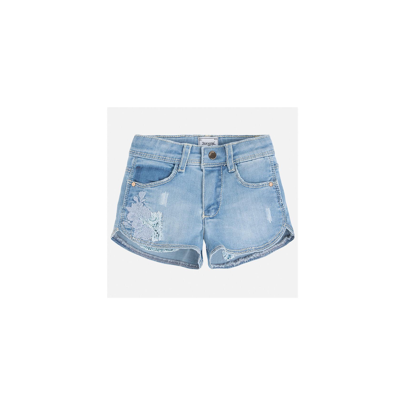 Шорты джинсовые для девочки MayoralДжинсовая одежда<br>Характеристики товара:<br><br>• цвет: голубой<br>• состав: 81% хлопок, 17% полиэстер, 2% эластан<br>• карманы<br>• украшены вышивкой<br>• застежка: пуговица, молния<br>• шлевки<br>• страна бренда: Испания<br><br>Стильные джинсовые шорты для девочки смогут разнообразить гардероб ребенка и украсить наряд. Они отлично сочетаются с майками, футболками, блузками. Красивый оттенок позволяет подобрать к вещи верх разных расцветок. Интересный крой модели делает её нарядной и оригинальной. В составе материала - натуральный хлопок, гипоаллергенный, приятный на ощупь, дышащий.<br><br>Одежда, обувь и аксессуары от испанского бренда Mayoral полюбились детям и взрослым по всему миру. Модели этой марки - стильные и удобные. Для их производства используются только безопасные, качественные материалы и фурнитура. Порадуйте ребенка модными и красивыми вещами от Mayoral! <br><br>Шорты для девочки от испанского бренда Mayoral (Майорал) можно купить в нашем интернет-магазине.<br><br>Ширина мм: 191<br>Глубина мм: 10<br>Высота мм: 175<br>Вес г: 273<br>Цвет: синий<br>Возраст от месяцев: 18<br>Возраст до месяцев: 24<br>Пол: Женский<br>Возраст: Детский<br>Размер: 92,134,98,104,110,116,122,128<br>SKU: 5289780