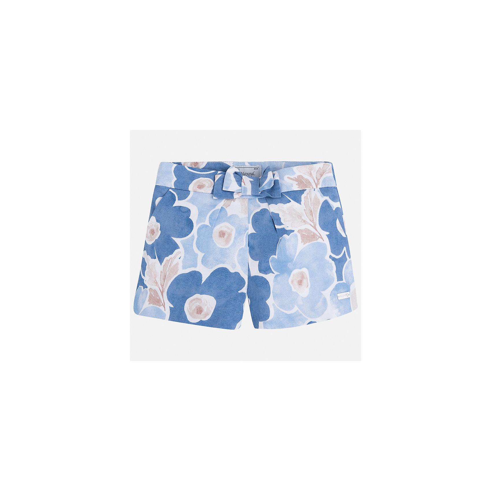 Шорты для девочки MayoralШорты, бриджи, капри<br>Характеристики товара:<br><br>• цвет: голубой принт<br>• состав: 100% хлопок<br>• ткань с принтом<br>• украшены бантом<br>• пояс на резинке<br>• декоративная складка на штанинах<br>• страна бренда: Испания<br><br>Модные легкие шорты для девочки смогут разнообразить гардероб ребенка и украсить наряд. Они отлично сочетаются с майками, футболками, блузками. Красивый оттенок позволяет подобрать к вещи верх разных расцветок. Интересный крой модели делает её нарядной и оригинальной. В составе материала - только натуральный хлопок, гипоаллергенный, приятный на ощупь, дышащий.<br>Одежда, обувь и аксессуары от испанского бренда Mayoral полюбились детям и взрослым по всему миру. Модели этой марки - стильные и удобные. Для их производства используются только безопасные, качественные материалы и фурнитура. Порадуйте ребенка модными и красивыми вещами от Mayoral! <br><br>Шорты для девочки от испанского бренда Mayoral (Майорал) можно купить в нашем интернет-магазине.<br><br>Ширина мм: 191<br>Глубина мм: 10<br>Высота мм: 175<br>Вес г: 273<br>Цвет: голубой<br>Возраст от месяцев: 96<br>Возраст до месяцев: 108<br>Пол: Женский<br>Возраст: Детский<br>Размер: 134,92,98,104,110,116,122,128<br>SKU: 5289798