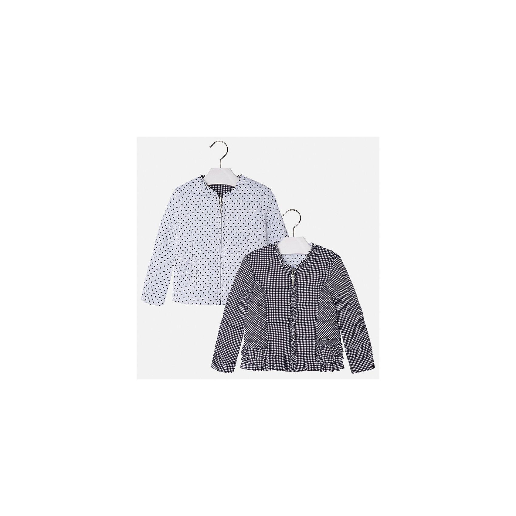 Ветровка двухсторонняя для девочки MayoralВерхняя одежда<br>Характеристики товара:<br><br>• цвет: серый/белый<br>• состав: 100% полиэстер<br>• застежка: молния<br>• оборка на вороте<br>• с длинными рукавами <br>• двухсторонняя<br>• одна сторона украшена воланами<br>• страна бренда: Испания<br><br>Стильная легкая ветровка для девочки поможет разнообразить гардероб ребенка и украсить наряд. Уникальна модель тем, что её можно вывернуть - и в распоряжении ребенка еще одна куртка, выполненная в другом стиле! Она отлично сочетается и с юбками, и с брюками. Красивый цвет позволяет подобрать к вещи низ различных расцветок. Интересная отделка модели делает её нарядной и стильной. Оригинальной и модной куртку делает крой.<br><br>Одежда, обувь и аксессуары от испанского бренда Mayoral полюбились детям и взрослым по всему миру. Модели этой марки - стильные и удобные. Для их производства используются только безопасные, качественные материалы и фурнитура. Порадуйте ребенка модными и красивыми вещами от Mayoral! <br><br>Ветровку для девочки от испанского бренда Mayoral (Майорал) можно купить в нашем интернет-магазине.<br><br>Ширина мм: 356<br>Глубина мм: 10<br>Высота мм: 245<br>Вес г: 519<br>Цвет: серый<br>Возраст от месяцев: 18<br>Возраст до месяцев: 24<br>Пол: Женский<br>Возраст: Детский<br>Размер: 92,134,98,104,110,116,122,128<br>SKU: 5290215