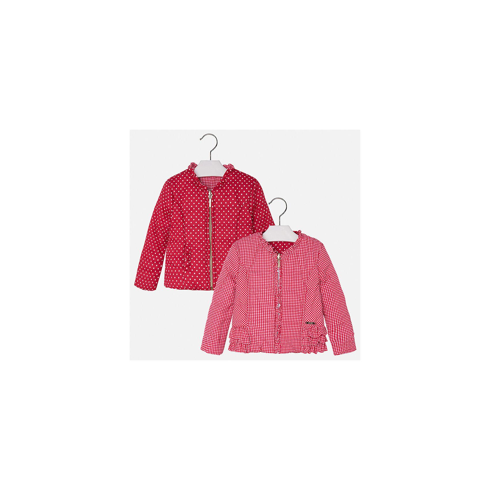 Ветровка двухстороняя для девочки MayoralВерхняя одежда<br>Характеристики товара:<br><br>• цвет: красный<br>• состав: 100% полиэстер<br>• застежка: молния<br>• оборка на вороте<br>• с длинными рукавами <br>• двухсторонняя<br>• одна сторона украшена воланами<br>• страна бренда: Испания<br><br>Стильная легкая ветровка для девочки поможет разнообразить гардероб ребенка и украсить наряд. Уникальна модель тем, что её можно вывернуть - и в распоряжении ребенка еще одна куртка, выполненная в другом стиле! Она отлично сочетается и с юбками, и с брюками. Красивый цвет позволяет подобрать к вещи низ различных расцветок. Интересная отделка модели делает её нарядной и стильной. Оригинальной и модной куртку делает крой.<br><br>Одежда, обувь и аксессуары от испанского бренда Mayoral полюбились детям и взрослым по всему миру. Модели этой марки - стильные и удобные. Для их производства используются только безопасные, качественные материалы и фурнитура. Порадуйте ребенка модными и красивыми вещами от Mayoral! <br><br>Ветровку для девочки от испанского бренда Mayoral (Майорал) можно купить в нашем интернет-магазине.<br><br>Ширина мм: 356<br>Глубина мм: 10<br>Высота мм: 245<br>Вес г: 519<br>Цвет: красный<br>Возраст от месяцев: 96<br>Возраст до месяцев: 108<br>Пол: Женский<br>Возраст: Детский<br>Размер: 134,92,98,104,110,116,122,128<br>SKU: 5290224