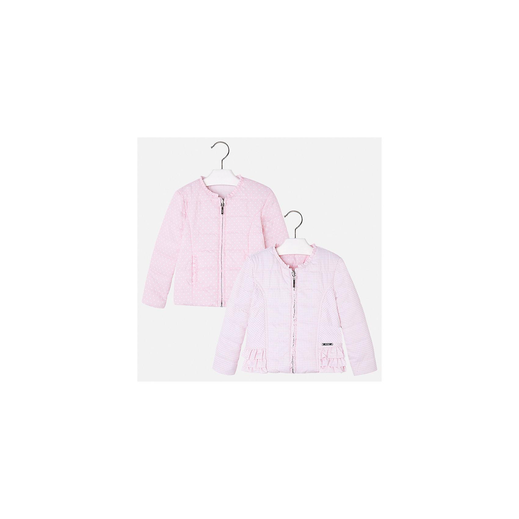 Ветровка двухсторонняя для девочки MayoralВерхняя одежда<br>Характеристики товара:<br><br>• цвет: розовый<br>• состав: 100% полиэстер<br>• температурный режим: от +10°С<br>• застежка: молния<br>• оборка на вороте<br>• с длинными рукавами <br>• двухсторонняя<br>• одна сторона украшена воланами<br>• страна бренда: Испания<br><br>Стильная легкая ветровка для девочки поможет разнообразить гардероб ребенка и украсить наряд. Уникальна модель тем, что её можно вывернуть - и в распоряжении ребенка еще одна куртка, выполненная в другом стиле!  Интересная отделка модели делает её нарядной и стильной.<br><br>Ветровку для девочки от испанского бренда Mayoral (Майорал) можно купить в нашем интернет-магазине.<br><br>Ширина мм: 356<br>Глубина мм: 10<br>Высота мм: 245<br>Вес г: 519<br>Цвет: фиолетовый<br>Возраст от месяцев: 18<br>Возраст до месяцев: 24<br>Пол: Женский<br>Возраст: Детский<br>Размер: 92,134,128,122,116,110,104,98<br>SKU: 5290233