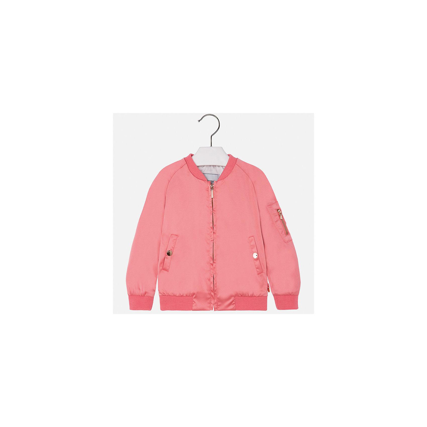 Куртка для девочки MayoralВерхняя одежда<br>Характеристики товара:<br><br>• цвет: розовый<br>• состав: 97% полиэстер, 3% эластан<br>• застежка: молния<br>• карманы<br>• с длинными рукавами <br>• манжеты<br>• низ - трикотажная резинка<br>• страна бренда: Испания<br><br>Модная удобная куртка для девочки поможет разнообразить гардероб ребенка и обеспечить тепло в прохладную погоду. Она отлично сочетается и с юбками, и с брюками. Красивый цвет позволяет подобрать к вещи низ различных расцветок. Интересная отделка модели делает её нарядной и стильной. <br><br>Одежда, обувь и аксессуары от испанского бренда Mayoral полюбились детям и взрослым по всему миру. Модели этой марки - стильные и удобные. Для их производства используются только безопасные, качественные материалы и фурнитура. Порадуйте ребенка модными и красивыми вещами от Mayoral! <br><br>Куртку для девочки от испанского бренда Mayoral (Майорал) можно купить в нашем интернет-магазине.<br><br>Ширина мм: 356<br>Глубина мм: 10<br>Высота мм: 245<br>Вес г: 519<br>Цвет: розовый<br>Возраст от месяцев: 96<br>Возраст до месяцев: 108<br>Пол: Женский<br>Возраст: Детский<br>Размер: 134,116,92,98,104,110,122,128<br>SKU: 5290260