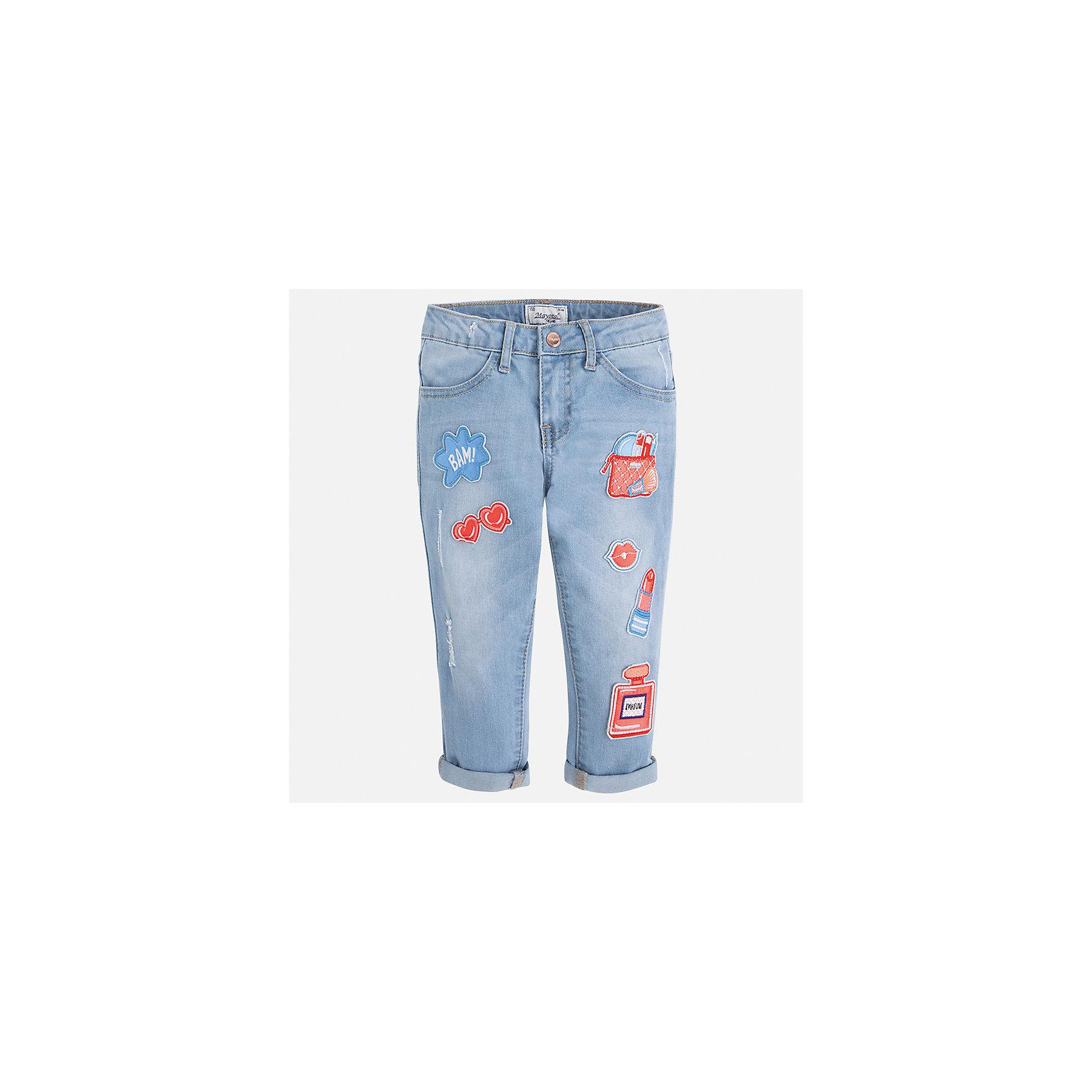 Бриджи джинсовые для девочки MayoralДжинсовая одежда<br>Характеристики товара:<br><br>• цвет: голубой<br>• состав: 68% хлопок, 29% полиэстер, 2% эластан<br>• шлевки<br>• карманы<br>• пояс с регулировкой объема<br>• отвороты<br>• страна бренда: Испания<br><br>Модные легкие брюки для девочки смогут разнообразить гардероб ребенка и украсить наряд. Они отлично сочетаются с майками, футболками, блузками и т.д. Красивый оттенок позволяет подобрать к вещи верх разных расцветок. Интересная отделка модели делает её нарядной и оригинальной. В составе материала - натуральный хлопок, гипоаллергенный, приятный на ощупь, дышащий.<br><br>Одежда, обувь и аксессуары от испанского бренда Mayoral полюбились детям и взрослым по всему миру. Модели этой марки - стильные и удобные. Для их производства используются только безопасные, качественные материалы и фурнитура. Порадуйте ребенка модными и красивыми вещами от Mayoral! <br><br>Бриджи для девочки от испанского бренда Mayoral (Майорал) можно купить в нашем интернет-магазине.<br><br>Ширина мм: 191<br>Глубина мм: 10<br>Высота мм: 175<br>Вес г: 273<br>Цвет: синий<br>Возраст от месяцев: 96<br>Возраст до месяцев: 108<br>Пол: Женский<br>Возраст: Детский<br>Размер: 134,92,98,104,110,116,122,128<br>SKU: 5290337