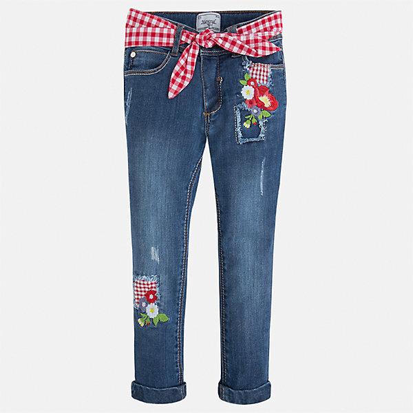 Джинсы для девочки MayoralДжинсовая одежда<br>Характеристики товара:<br><br>• цвет: синий<br>• состав: 81% хлопок, 17% полиэстер, 2% эластан<br>• шлевки<br>• карманы<br>• пояс с регулировкой объема<br>• декорированы вышивкой<br>• страна бренда: Испания<br><br>Стильные джинсы для девочки смогут разнообразить гардероб ребенка и украсить наряд. Они отлично сочетаются с майками, футболками, блузками и т.д. Универсальный крой и цвет позволяет подобрать к вещи верх разных расцветок. Интересная отделка модели делает её нарядной и оригинальной. В составе материала - натуральный хлопок, гипоаллергенный, приятный на ощупь, дышащий.<br><br>Одежда, обувь и аксессуары от испанского бренда Mayoral полюбились детям и взрослым по всему миру. Модели этой марки - стильные и удобные. Для их производства используются только безопасные, качественные материалы и фурнитура. Порадуйте ребенка модными и красивыми вещами от Mayoral! <br><br>Джинсы для девочки от испанского бренда Mayoral (Майорал) можно купить в нашем интернет-магазине.<br><br>Ширина мм: 215<br>Глубина мм: 88<br>Высота мм: 191<br>Вес г: 336<br>Цвет: белый<br>Возраст от месяцев: 18<br>Возраст до месяцев: 24<br>Пол: Женский<br>Возраст: Детский<br>Размер: 134,128,122,116,110,104,98,92<br>SKU: 5290355