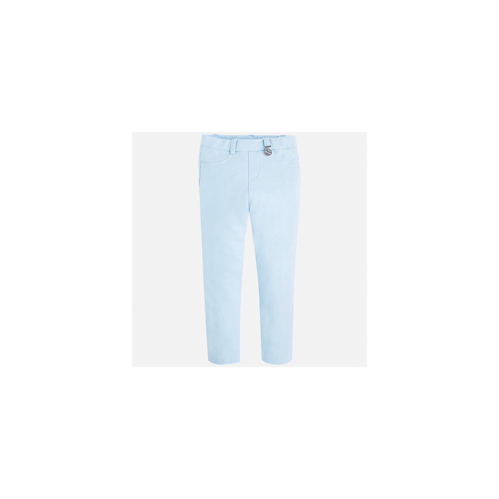 Леггинсы для девочки MayoralЛеггинсы<br>Характеристики товара:<br><br>• цвет: голубой<br>• состав: 95% хлопок, 5% эластан<br>• шлевки<br>• эластичный материал<br>• карманы<br>• пастельный оттенок<br>• страна бренда: Испания<br><br>Модные леггинсы для девочки смогут разнообразить гардероб ребенка и украсить наряд. Они отлично сочетаются с майками, футболками, блузками. Красивый оттенок позволяет подобрать к вещи верх разных расцветок. В составе материала - натуральный хлопок, гипоаллергенный, приятный на ощупь, дышащий. Леггинсы отлично сидят и не стесняют движения.<br><br>Одежда, обувь и аксессуары от испанского бренда Mayoral полюбились детям и взрослым по всему миру. Модели этой марки - стильные и удобные. Для их производства используются только безопасные, качественные материалы и фурнитура. Порадуйте ребенка модными и красивыми вещами от Mayoral! <br><br>Леггинсы для девочки от испанского бренда Mayoral (Майорал) можно купить в нашем интернет-магазине.<br><br>Ширина мм: 123<br>Глубина мм: 10<br>Высота мм: 149<br>Вес г: 209<br>Цвет: зеленый<br>Возраст от месяцев: 96<br>Возраст до месяцев: 108<br>Пол: Женский<br>Возраст: Детский<br>Размер: 134,116,92,98,104,110,122,128<br>SKU: 5290460