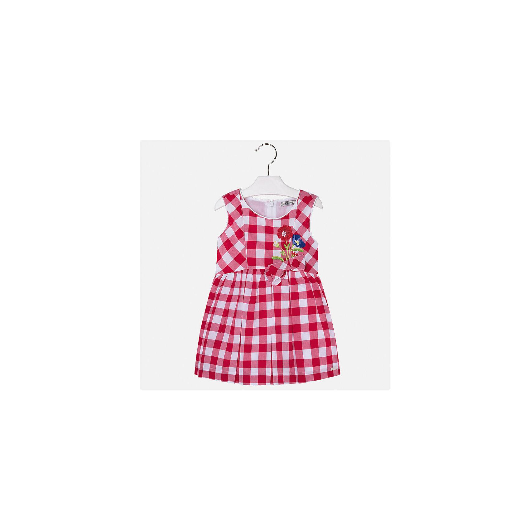 Платье для девочки MayoralПлатья и сарафаны<br>Характеристики товара:<br><br>• цвет: красная клетка<br>• состав: 100% хлопок, подкладка - 100% хлопок<br>• застежка: молния<br>• в клетку<br>• украшено вышивкой и бантом<br>• без рукавов<br>• с подкладкой<br>• страна бренда: Испания<br><br>Модное красивое платье для девочки поможет разнообразить гардероб ребенка и создать эффектный наряд. Оно отлично подойдет для торжественных случаев или на каждый день. Красивый оттенок позволяет подобрать к вещи обувь разных расцветок. В составе материала подкладки - натуральный хлопок, гипоаллергенный, приятный на ощупь, дышащий. Платье хорошо сидит по фигуре.<br><br>Одежда, обувь и аксессуары от испанского бренда Mayoral полюбились детям и взрослым по всему миру. Модели этой марки - стильные и удобные. Для их производства используются только безопасные, качественные материалы и фурнитура. Порадуйте ребенка модными и красивыми вещами от Mayoral! <br><br>Платье для девочки от испанского бренда Mayoral (Майорал) можно купить в нашем интернет-магазине.<br><br>Ширина мм: 236<br>Глубина мм: 16<br>Высота мм: 184<br>Вес г: 177<br>Цвет: красный<br>Возраст от месяцев: 18<br>Возраст до месяцев: 24<br>Пол: Женский<br>Возраст: Детский<br>Размер: 92,116,98,104,110<br>SKU: 5291313