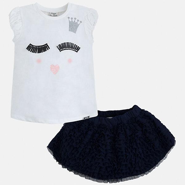 Комплект: топ и юбка для девочки MayoralКомплекты<br>Характеристики товара:<br><br>• цвет: белый/темно-синий<br>• состав: 57% хлопок, 38% полиэстер, 5% эластан<br>• комплектация: юбка, топ<br>• топ декорирован принтом<br>• юбка с рюшами<br>• пояс на резинке<br>• страна бренда: Испания<br><br>Стильный качественный комплект для девочки поможет разнообразить гардероб ребенка и красиво одеться в теплую погоду. Он отлично сочетается с другими предметами. Универсальный цвет позволяет подобрать к вещам обувь практически любой расцветки. Интересная отделка модели делает её нарядной и оригинальной. В составе материала - натуральный хлопок, гипоаллергенный, приятный на ощупь, дышащий.<br><br>Одежда, обувь и аксессуары от испанского бренда Mayoral полюбились детям и взрослым по всему миру. Модели этой марки - стильные и удобные. Для их производства используются только безопасные, качественные материалы и фурнитура. Порадуйте ребенка модными и красивыми вещами от Mayoral! <br><br>Комплект для девочки от испанского бренда Mayoral (Майорал) можно купить в нашем интернет-магазине.<br><br>Ширина мм: 207<br>Глубина мм: 10<br>Высота мм: 189<br>Вес г: 183<br>Цвет: синий<br>Возраст от месяцев: 24<br>Возраст до месяцев: 36<br>Пол: Женский<br>Возраст: Детский<br>Размер: 98,134,104,110,116,122,128<br>SKU: 5291463