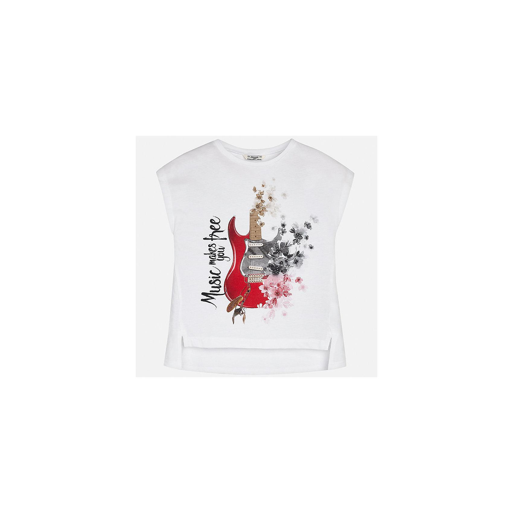 Футболка для девочки MayoralФутболки, поло и топы<br>Характеристики товара:<br><br>• цвет: белый<br>• состав: 50% хлопок, 50% полиэстер<br>• удлиненная спинка<br>• декорирована принтом<br>• без рукавов <br>• округлый горловой вырез<br>• страна бренда: Испания<br><br>Стильная качественная футболка для девочки поможет разнообразить гардероб ребенка и украсить наряд. Она отлично сочетается и с юбками, и с шортами, и с брюками. Универсальный цвет позволяет подобрать к вещи низ практически любой расцветки. Интересная отделка модели делает её нарядной и оригинальной. В составе материала есть натуральный хлопок, гипоаллергенный, приятный на ощупь, дышащий.<br><br>Одежда, обувь и аксессуары от испанского бренда Mayoral полюбились детям и взрослым по всему миру. Модели этой марки - стильные и удобные. Для их производства используются только безопасные, качественные материалы и фурнитура. Порадуйте ребенка модными и красивыми вещами от Mayoral! <br><br>Футболку для девочки от испанского бренда Mayoral (Майорал) можно купить в нашем интернет-магазине.<br><br>Ширина мм: 199<br>Глубина мм: 10<br>Высота мм: 161<br>Вес г: 151<br>Цвет: белый<br>Возраст от месяцев: 108<br>Возраст до месяцев: 120<br>Пол: Женский<br>Возраст: Детский<br>Размер: 140,170,128/134,152,158,164<br>SKU: 5292477