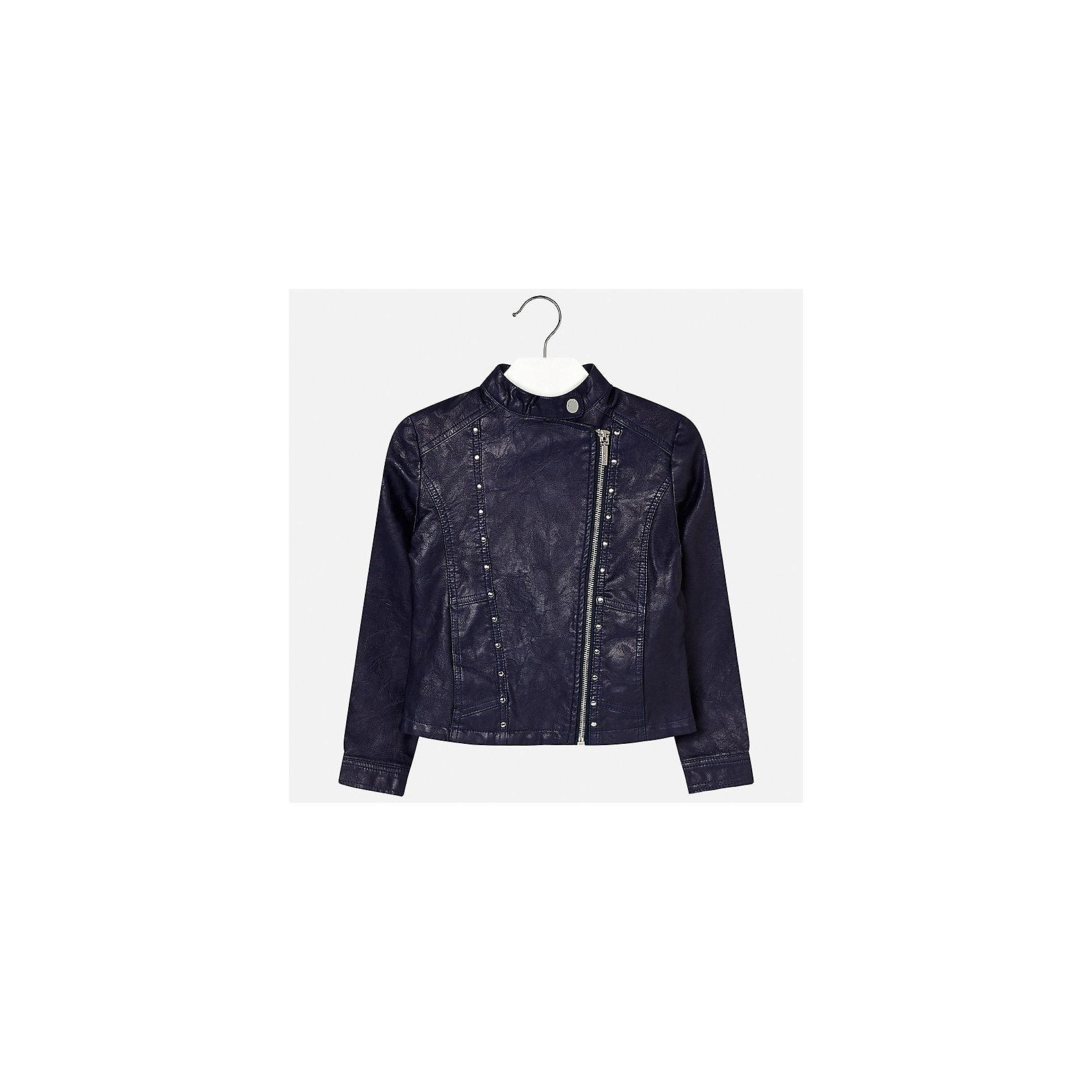 Куртка для девочки MayoralДемисезонные куртки<br>Характеристики товара:<br><br>• цвет: синий<br>• состав: 100% полиуретан, подкладка - 100% полиэстер<br>• температурный режим: от +15°до +10°С<br>• косая молния<br>• карманы<br>• с длинными рукавами <br>• металлические элементы на планке<br>• страна бренда: Испания<br><br>Очень стильная куртка для девочки поможет разнообразить гардероб ребенка и украсить наряд. Он отлично сочетается и с юбками, и с брюками. Универсальный цвет позволяет подобрать к вещи низ различных расцветок. Интересная отделка модели делает её нарядной и оригинальной.<br><br>Одежда, обувь и аксессуары от испанского бренда Mayoral полюбились детям и взрослым по всему миру. Модели этой марки - стильные и удобные. Для их производства используются только безопасные, качественные материалы и фурнитура. Порадуйте ребенка модными и красивыми вещами от Mayoral! <br><br>Куртку для девочки от испанского бренда Mayoral (Майорал) можно купить в нашем интернет-магазине.<br><br>Ширина мм: 356<br>Глубина мм: 10<br>Высота мм: 245<br>Вес г: 519<br>Цвет: синий<br>Возраст от месяцев: 168<br>Возраст до месяцев: 180<br>Пол: Женский<br>Возраст: Детский<br>Размер: 170,128/134,140,152,158,164<br>SKU: 5292870