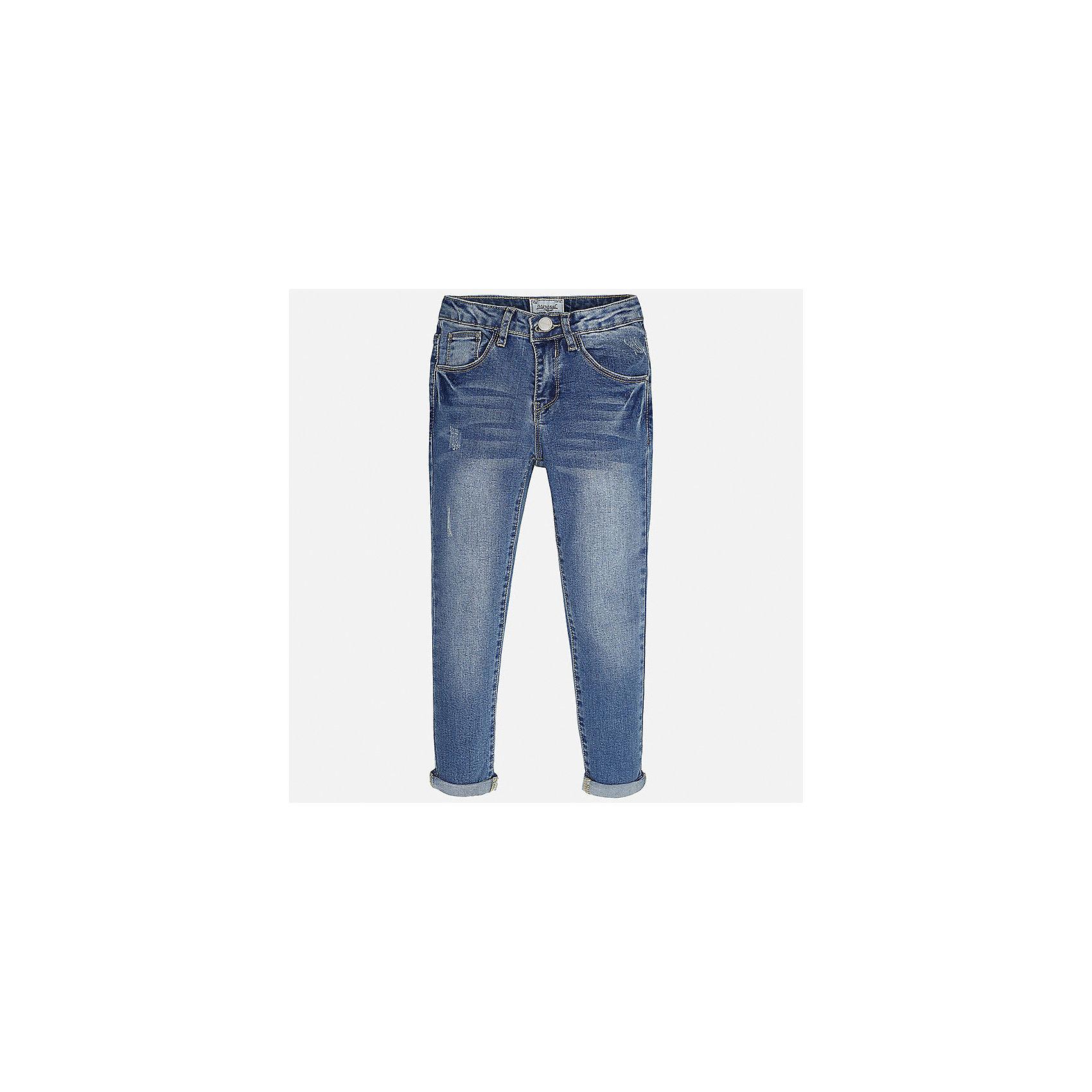 Джинсы для девочки MayoralДжинсовая одежда<br>Характеристики товара:<br><br>• цвет: синий<br>• состав: 69% хлопок, 29% полиэстер, 2% эластан<br>• эффект потертости<br>• карманы<br>• пояс с регулировкой объема<br>• шлевки<br>• страна бренда: Испания<br><br>Стильные джинсы для девочки смогут разнообразить гардероб ребенка и украсить наряд. Они отлично сочетаются с майками, футболками, блузками. Красивый оттенок позволяет подобрать к вещи верх разных расцветок. Интересный крой модели делает её нарядной и оригинальной. В составе материала - натуральный хлопок, гипоаллергенный, приятный на ощупь, дышащий.<br><br>Одежда, обувь и аксессуары от испанского бренда Mayoral полюбились детям и взрослым по всему миру. Модели этой марки - стильные и удобные. Для их производства используются только безопасные, качественные материалы и фурнитура. Порадуйте ребенка модными и красивыми вещами от Mayoral! <br><br>Джинсы для девочки от испанского бренда Mayoral (Майорал) можно купить в нашем интернет-магазине.<br><br>Ширина мм: 191<br>Глубина мм: 10<br>Высота мм: 175<br>Вес г: 273<br>Цвет: синий<br>Возраст от месяцев: 132<br>Возраст до месяцев: 144<br>Пол: Женский<br>Возраст: Детский<br>Размер: 152,158,164,170,128/134,140<br>SKU: 5292945