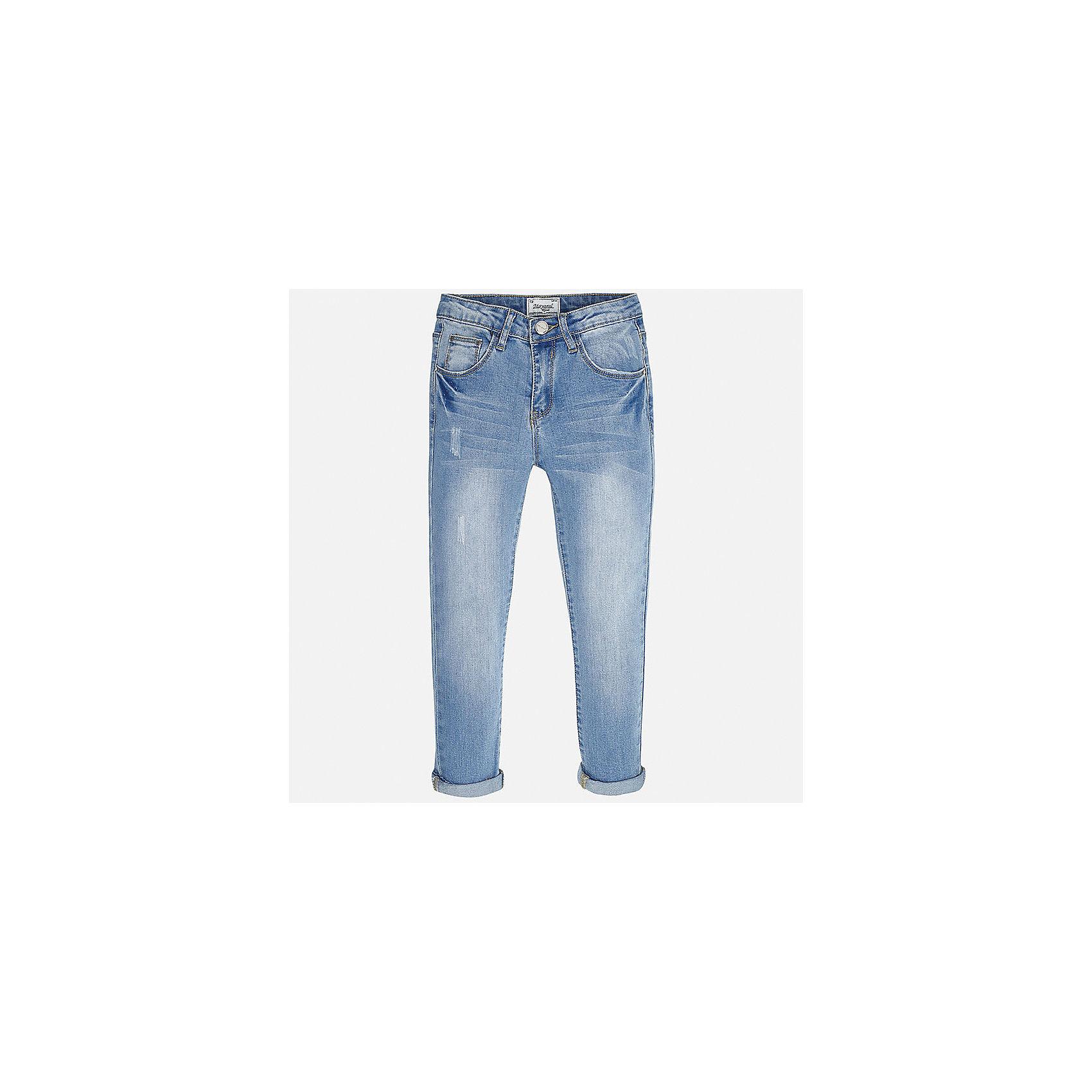 Джинсы для девочки MayoralДжинсовая одежда<br>Характеристики товара:<br><br>• цвет: голубой<br>• состав: 69% хлопок, 29% полиэстер, 2% эластан<br>• эффект потертости<br>• карманы<br>• пояс с регулировкой объема<br>• шлевки<br>• страна бренда: Испания<br><br>Стильные джинсы для девочки смогут разнообразить гардероб ребенка и украсить наряд. Они отлично сочетаются с майками, футболками, блузками. Красивый оттенок позволяет подобрать к вещи верх разных расцветок. Интересный крой модели делает её нарядной и оригинальной. В составе материала - натуральный хлопок, гипоаллергенный, приятный на ощупь, дышащий.<br><br>Одежда, обувь и аксессуары от испанского бренда Mayoral полюбились детям и взрослым по всему миру. Модели этой марки - стильные и удобные. Для их производства используются только безопасные, качественные материалы и фурнитура. Порадуйте ребенка модными и красивыми вещами от Mayoral! <br><br>Джинсы для девочки от испанского бренда Mayoral (Майорал) можно купить в нашем интернет-магазине.<br><br>Ширина мм: 191<br>Глубина мм: 10<br>Высота мм: 175<br>Вес г: 273<br>Цвет: синий<br>Возраст от месяцев: 168<br>Возраст до месяцев: 180<br>Пол: Женский<br>Возраст: Детский<br>Размер: 170,128/134,140,152,158,164<br>SKU: 5292952